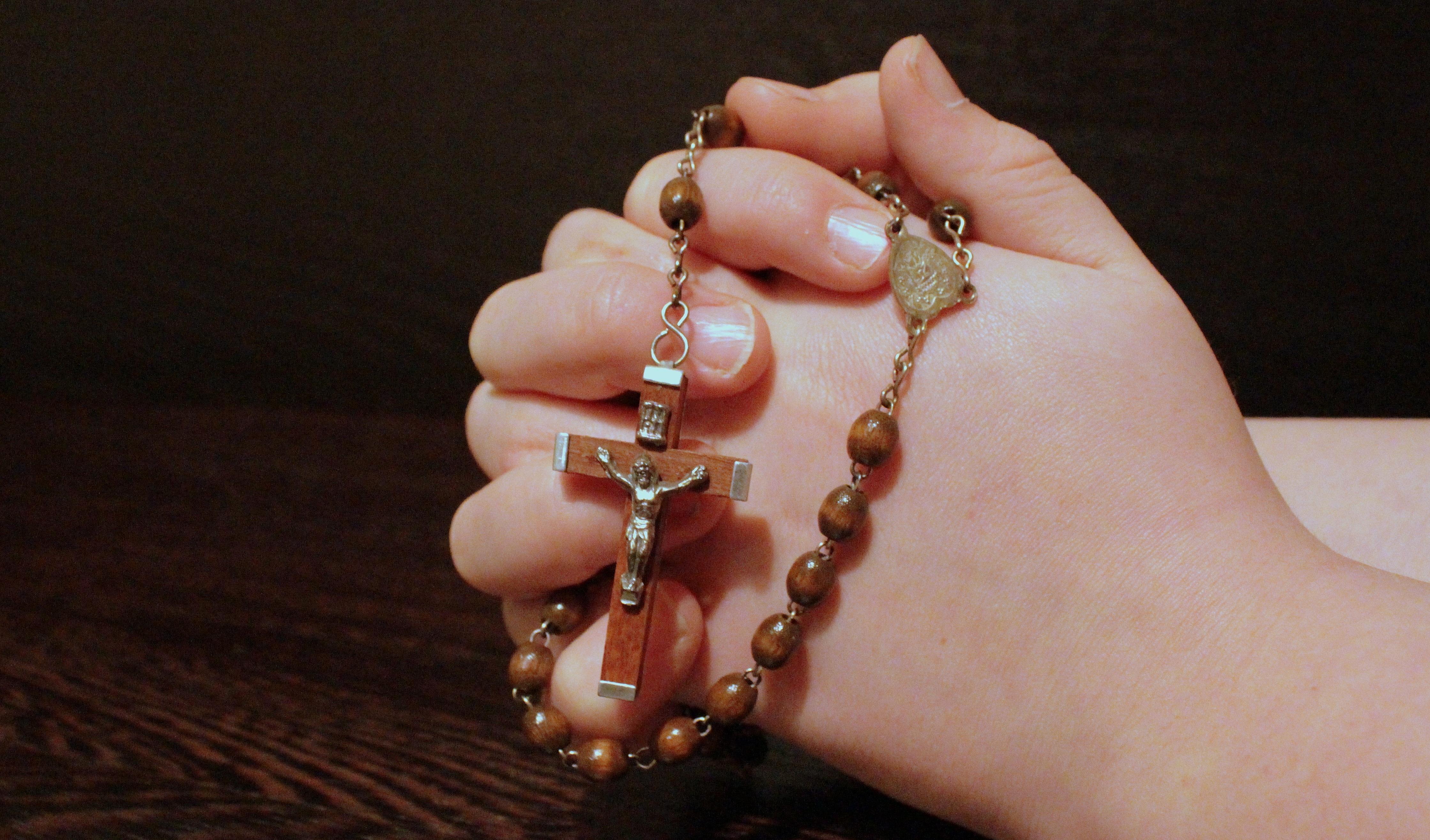 hands hand chain cross jesus rosary finger human god pray christian jewellery prayer necklace religion pink ear folded faith organ