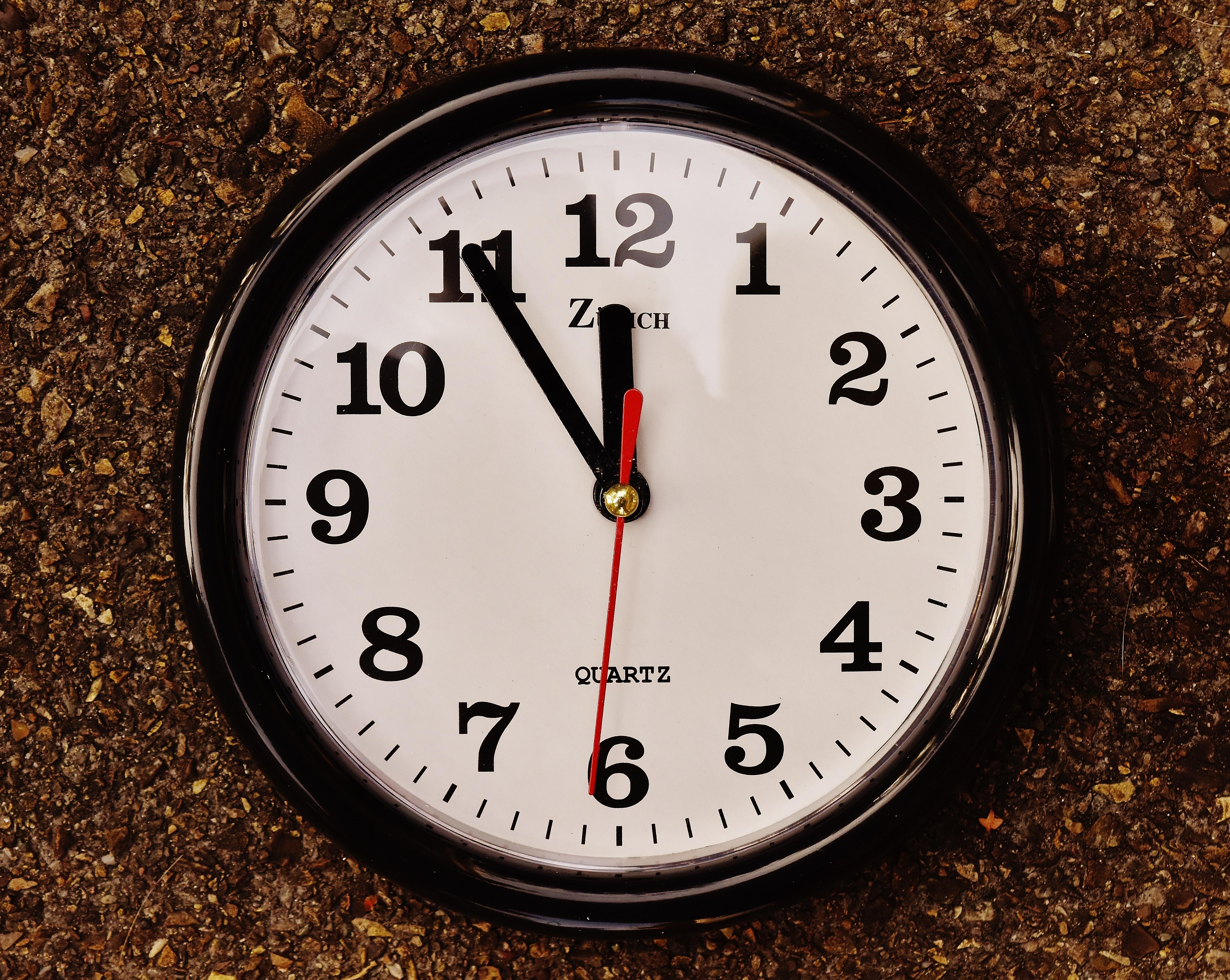 прикольные картинки с часами время шесть часов тех