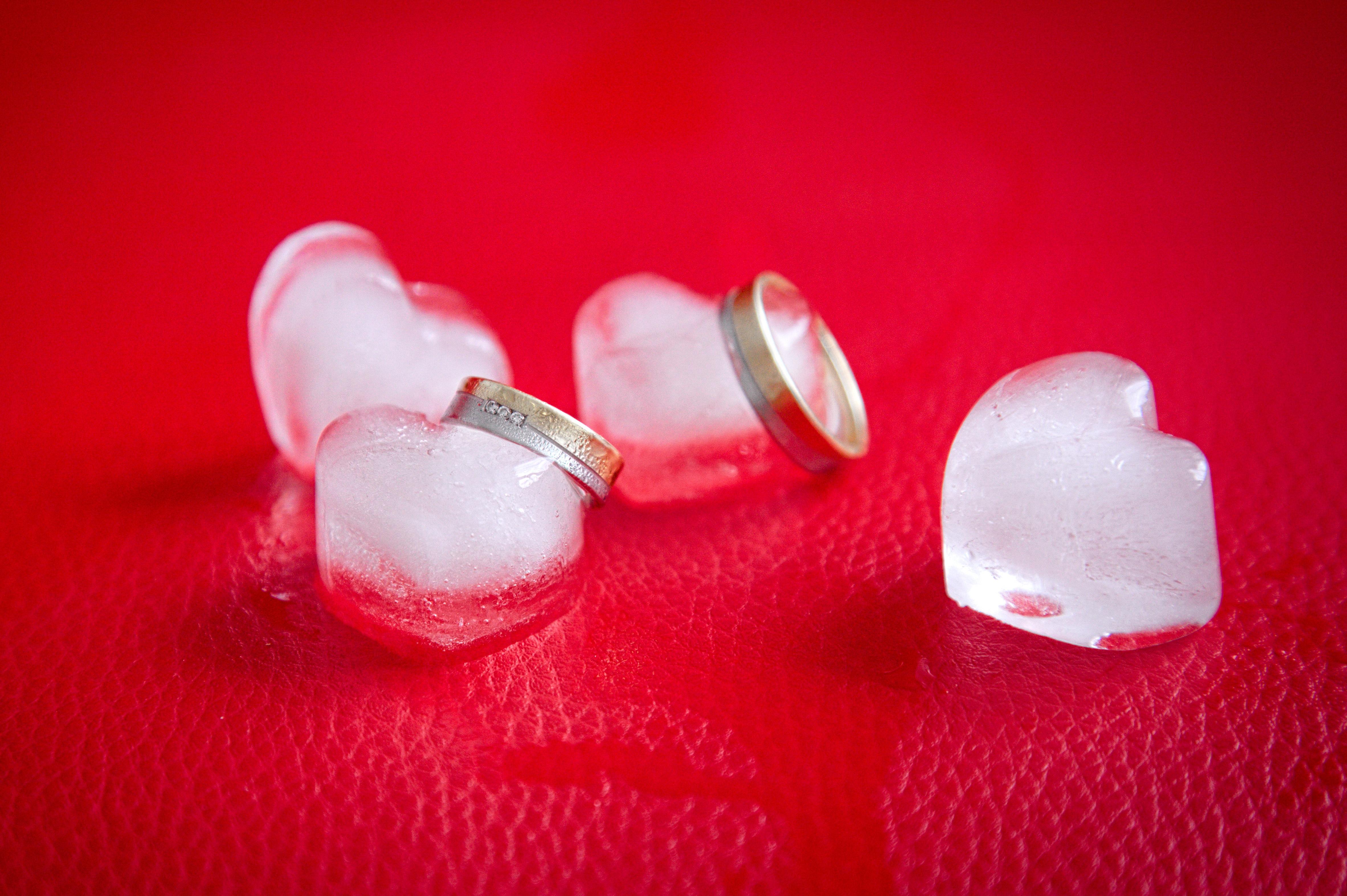 Gambar Tangan Dingin Putih Daun Bunga Es Jantung Jari Beku