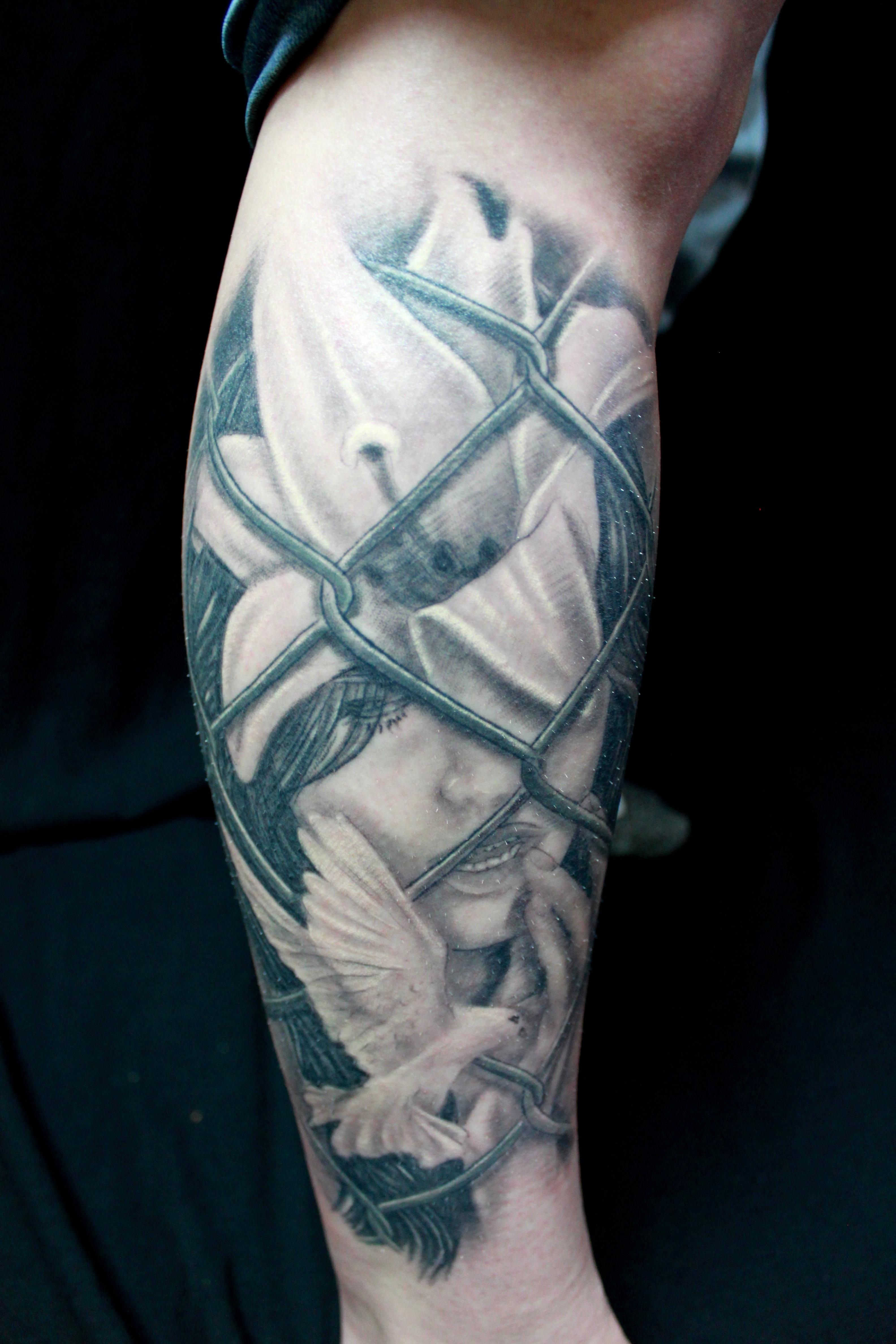 23f2487dcbe23 hand flower leg portrait tattoo arm chest human body realistic tattoo artist