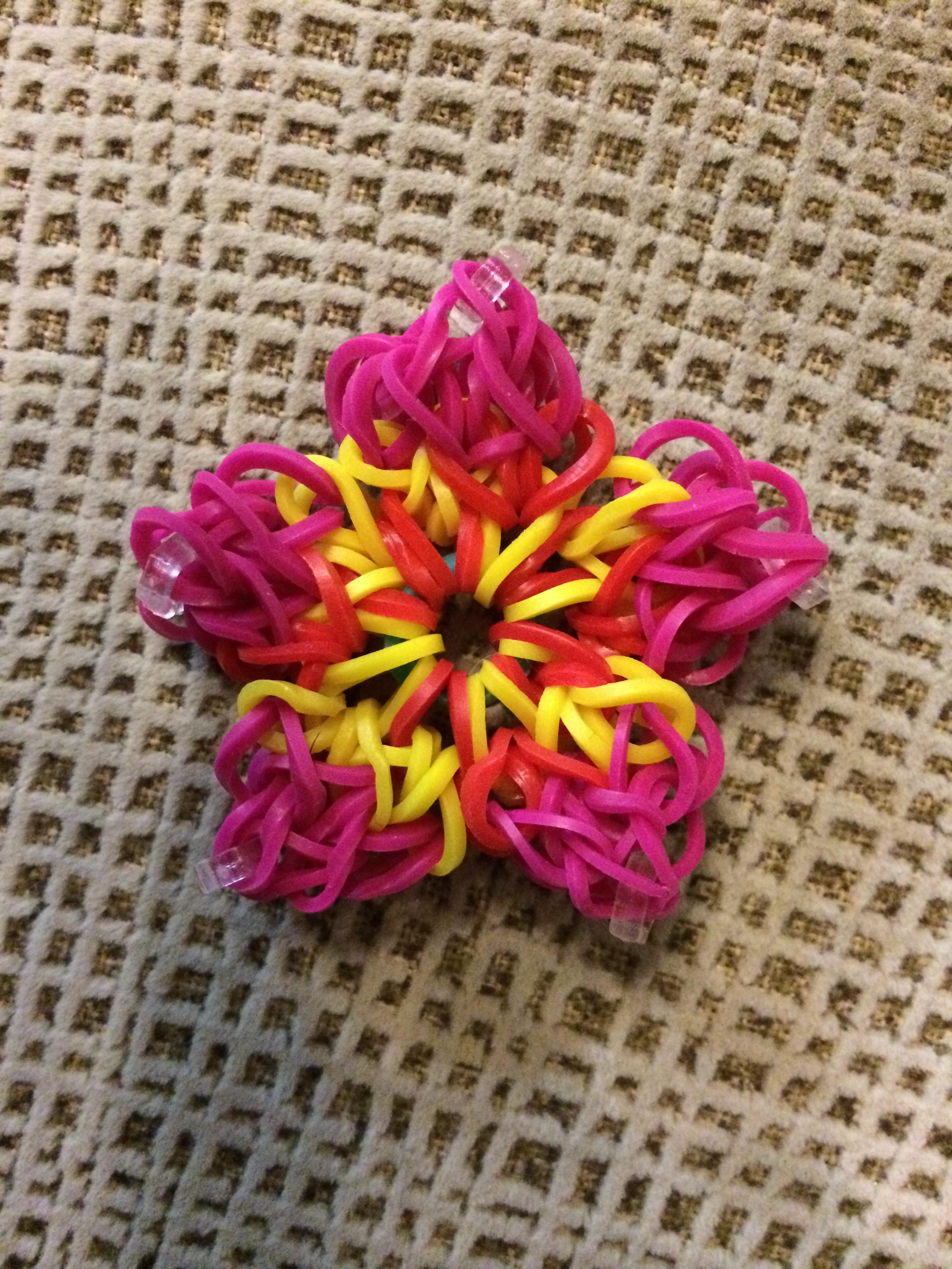 Fotos gratis : mano, flor, pétalo, patrón, rosado, tejer, textil ...