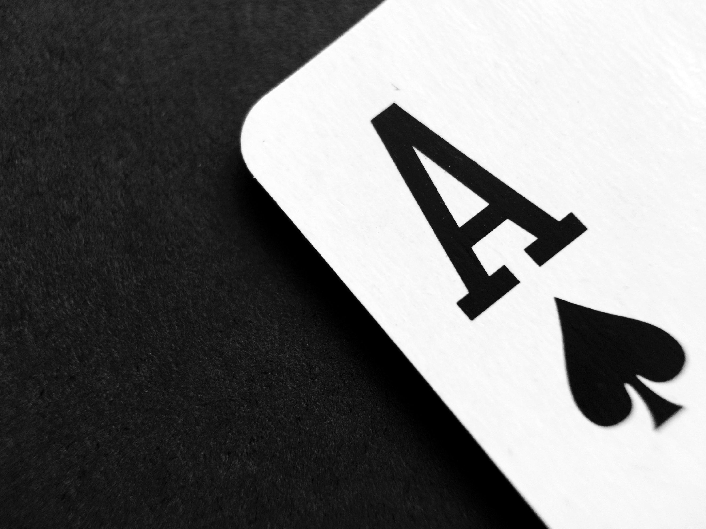 Gambar : tangan, permainan, jumlah, pemain, kartu as