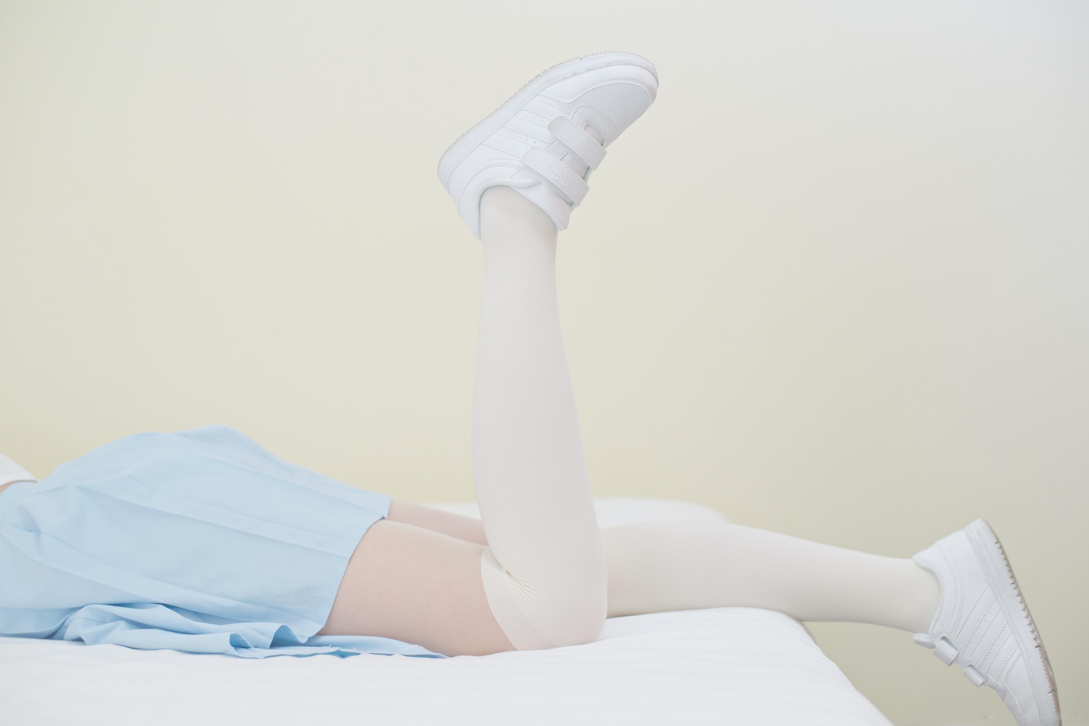 Kostenlose foto : Hand, Mädchen, Weiß, süß, Füße, niedlich, Bein ...