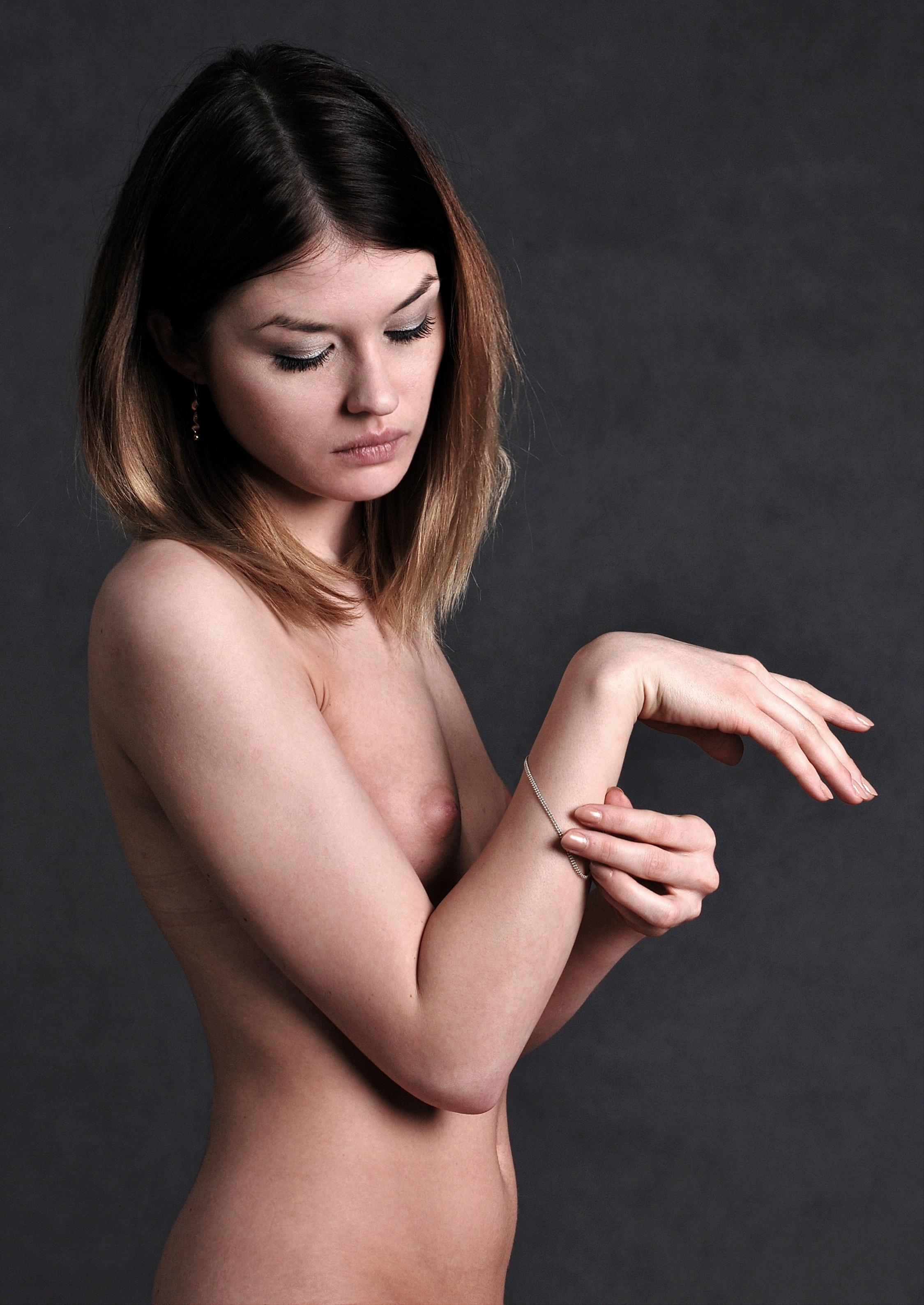 Free Images  Hand, Girl, Woman, Brunette, Finger, Arm -8475