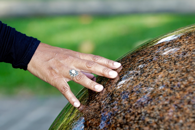 Fotos gratis : césped, fotografía, hoja, anillo, piedra, dedo, verde ...