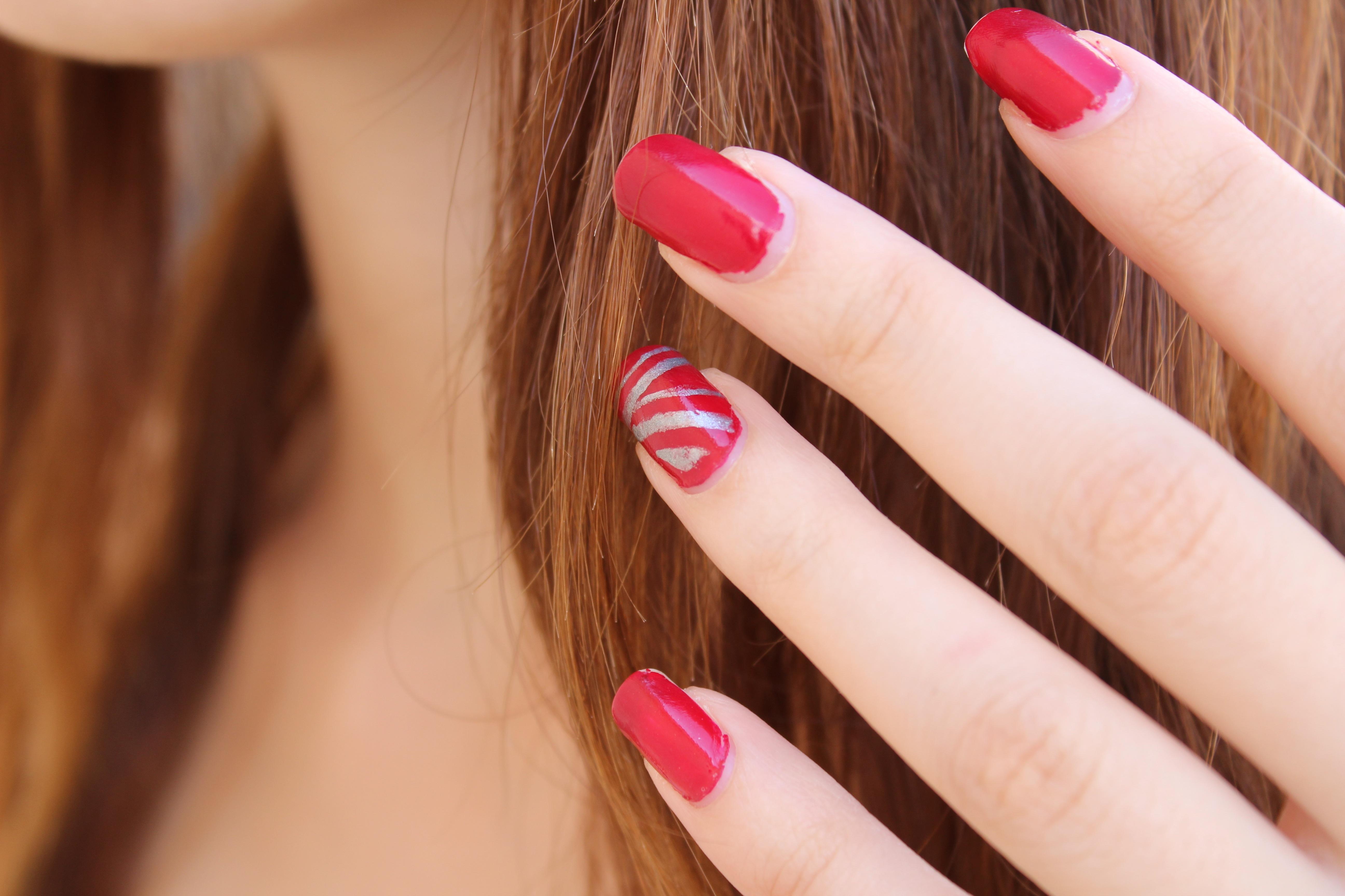 Fotos gratis : mano, cabello, hembra, dedo, rojo, color, humano ...