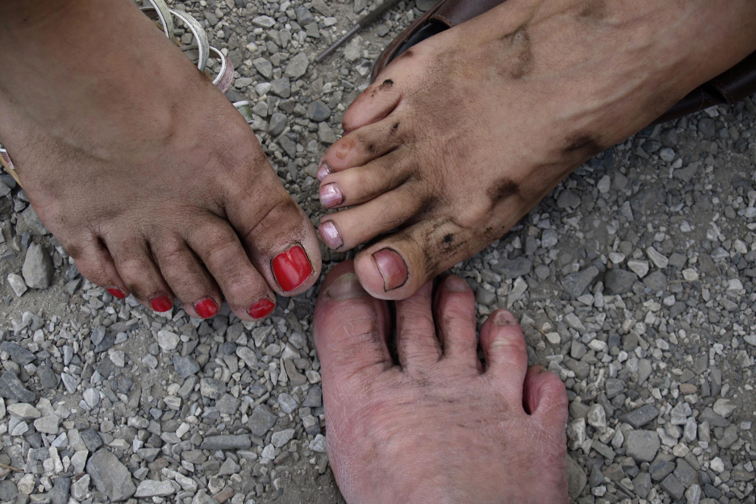 Ножки женщин грязные, транссексуалки фото и анкеты