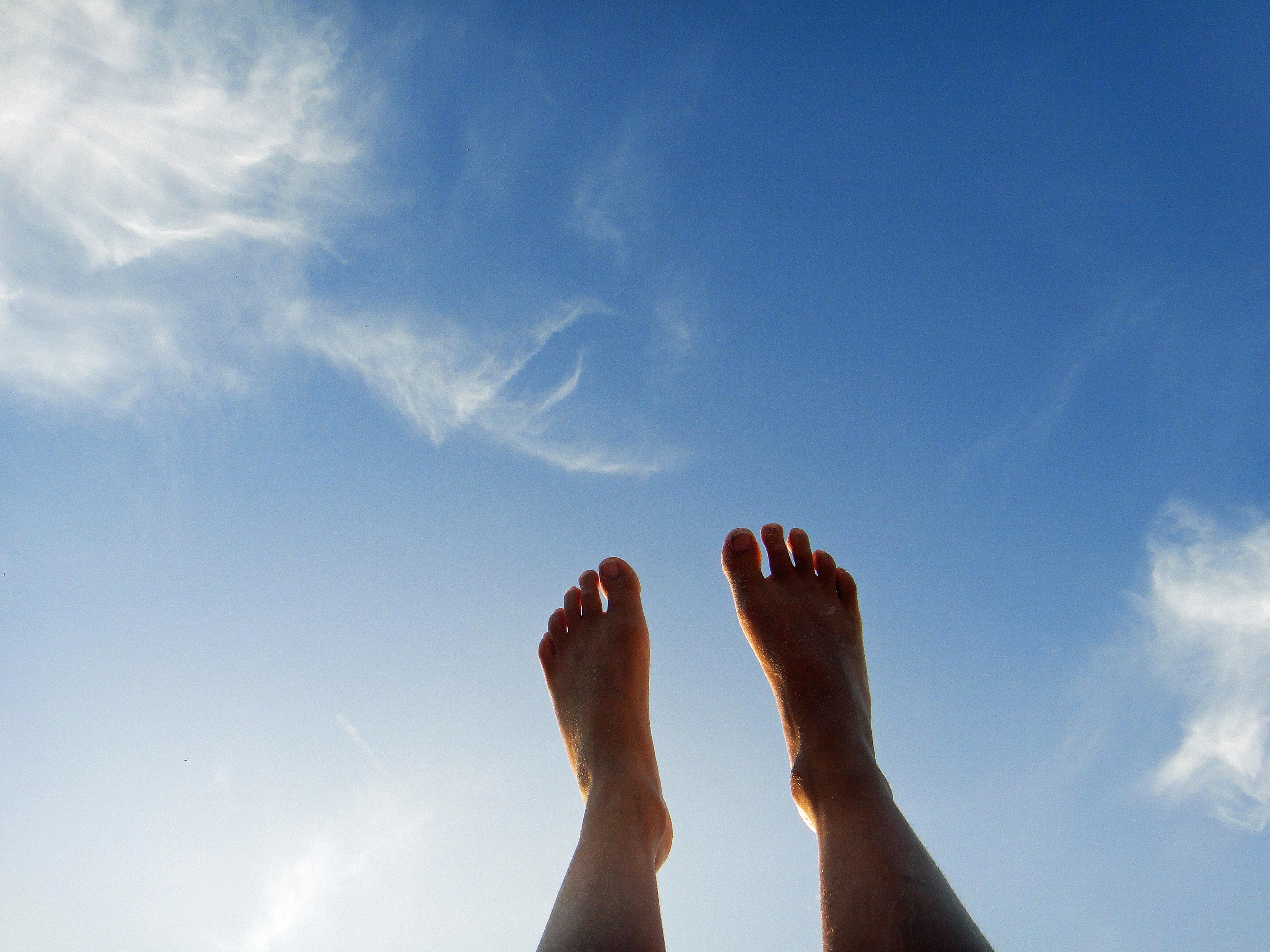новый что если на фото палец к небу окраской необходимо