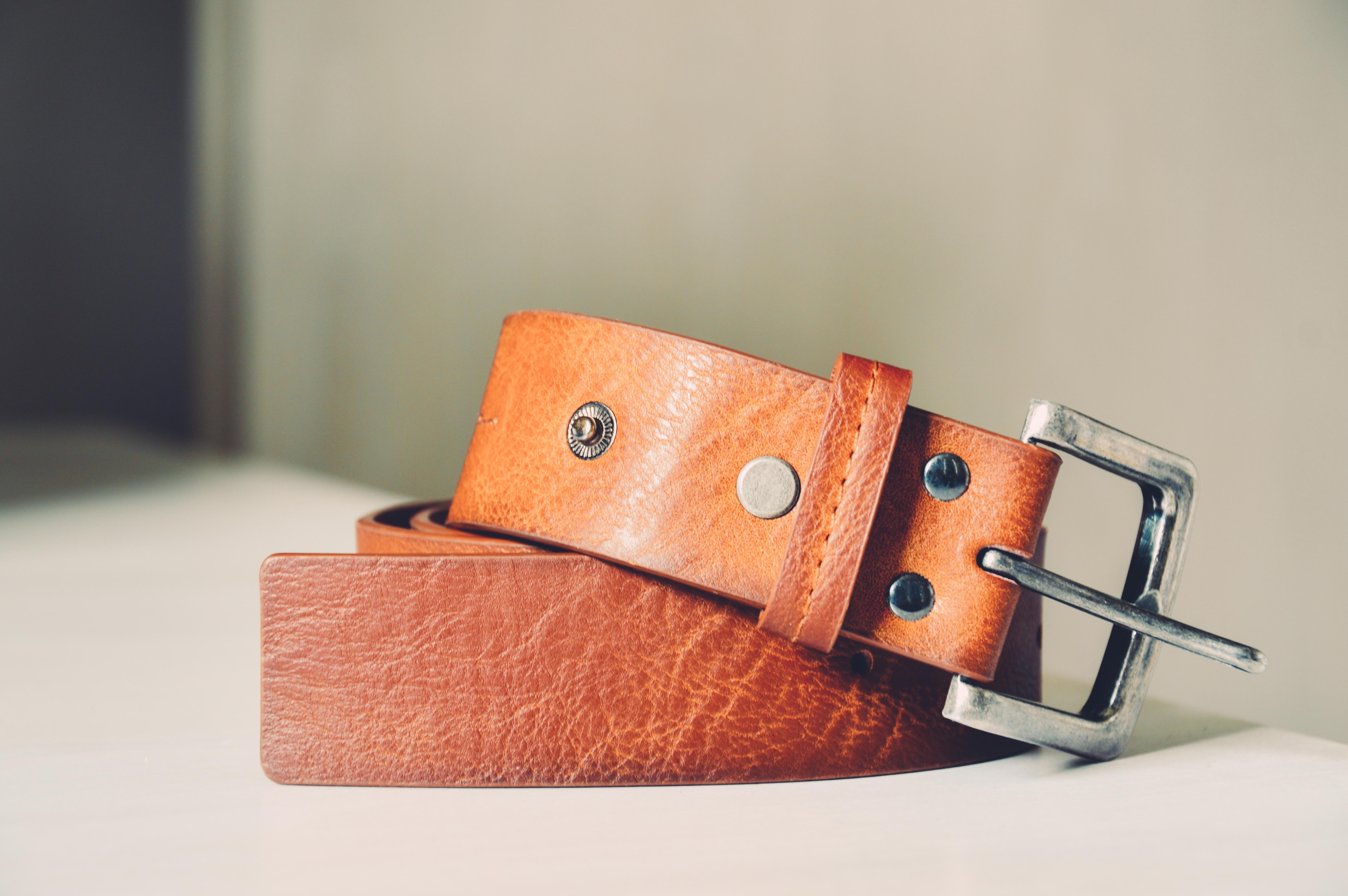main cuir marron mode marque ceinture textile sangle Boucle Accessoires de  mode 85b1d1e92f9
