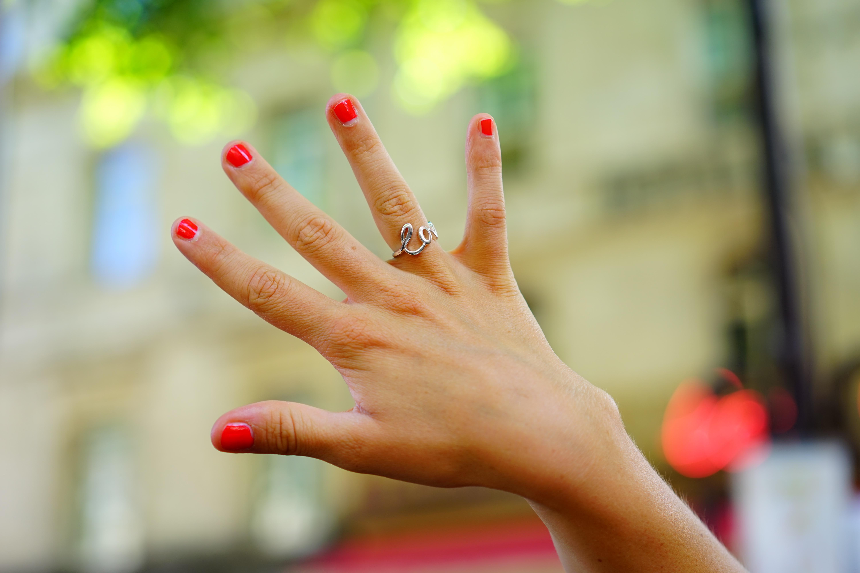 Fotos gratis : mano, pierna, amor, brazo, uña, de cerca, Uñas, dedo ...