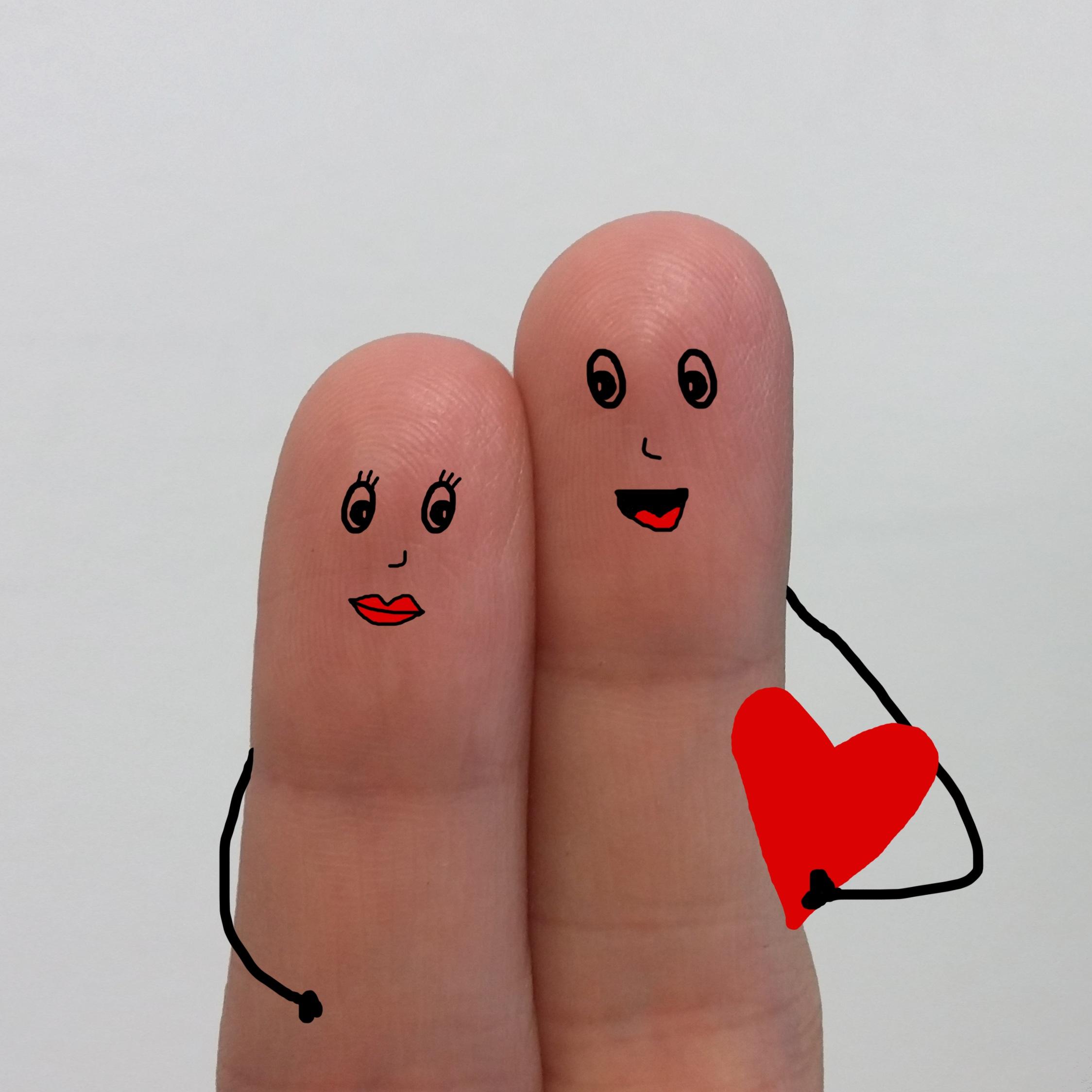 Gambar Tangan Jantung Jari Sepasang Percintaan Berwarna Merah