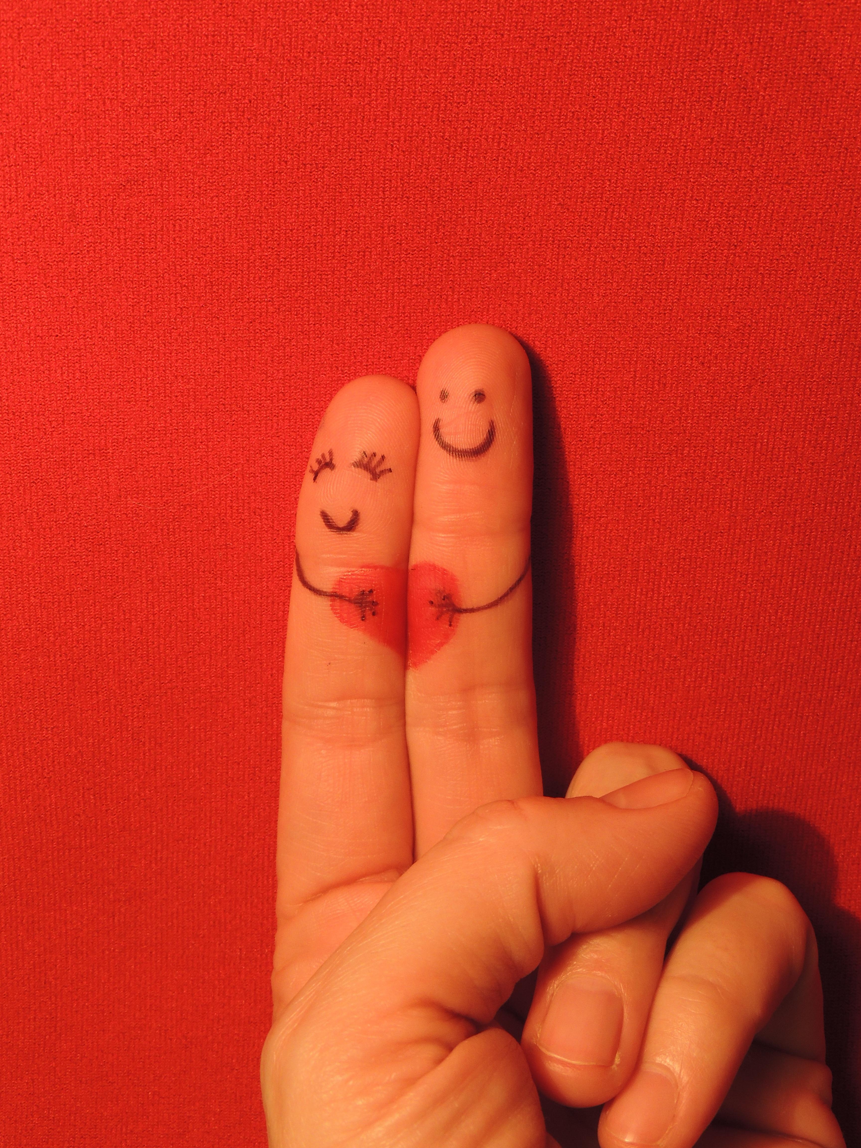 Любовь на пальцах картинки