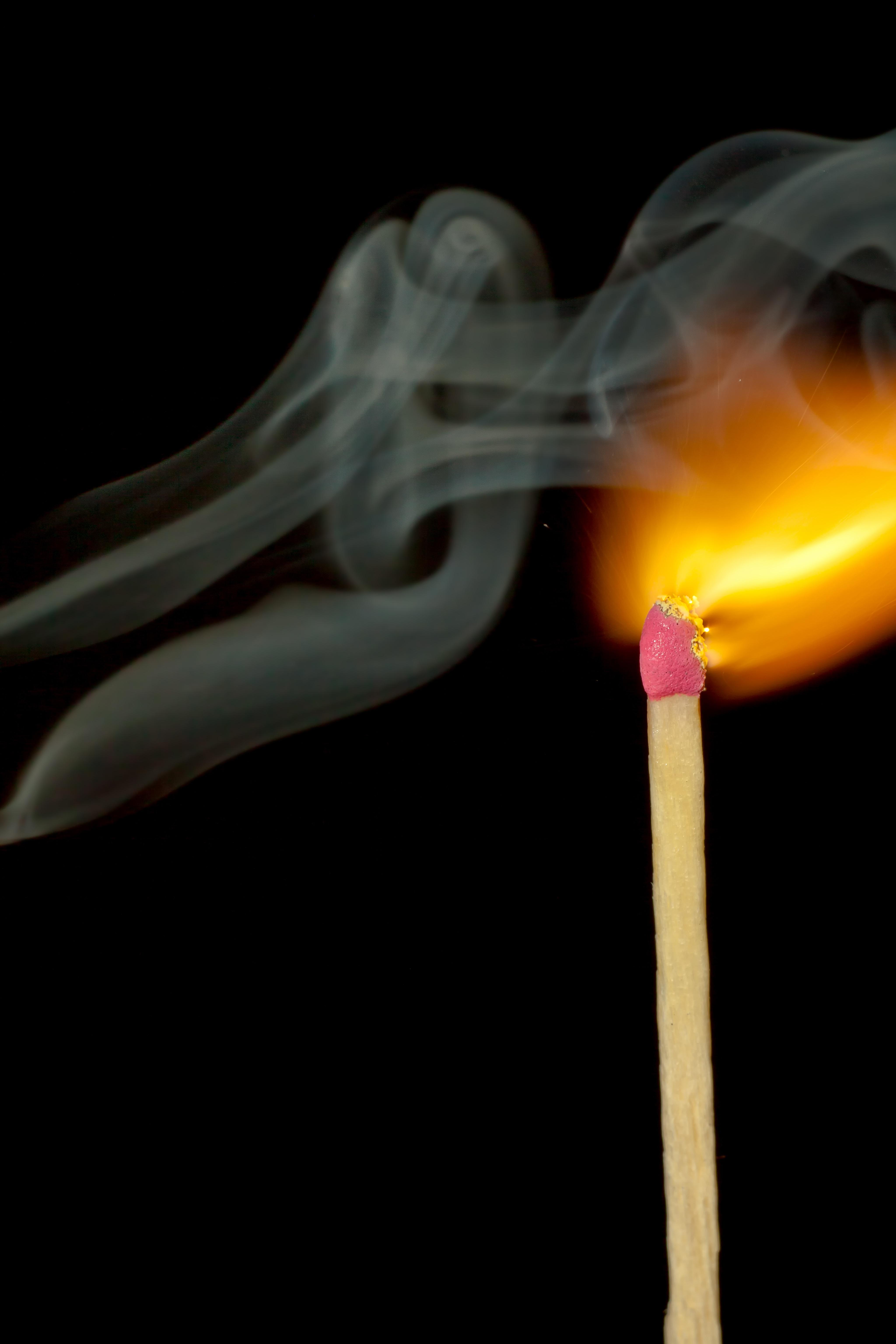 Kostenlose foto : Hand, Licht, Rauch, entzünden, Makro, Flamme ...