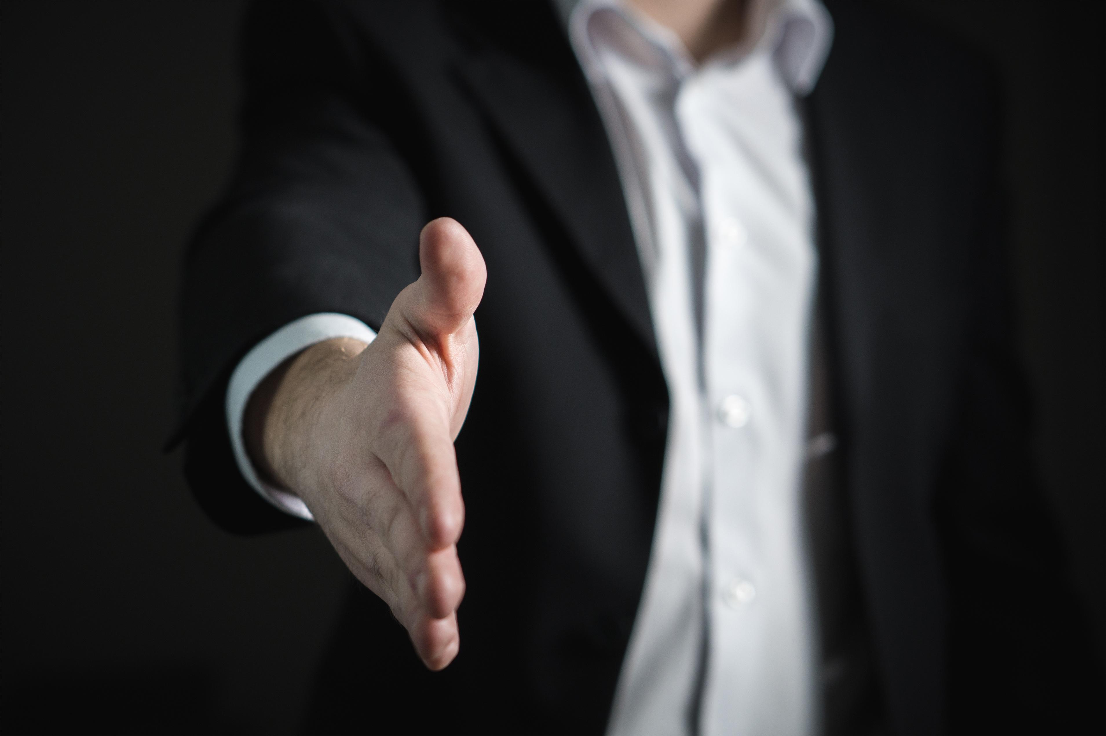 Kostenlose foto : Hand, Mann, Anzug, Fotografie, Finger, Geben ...