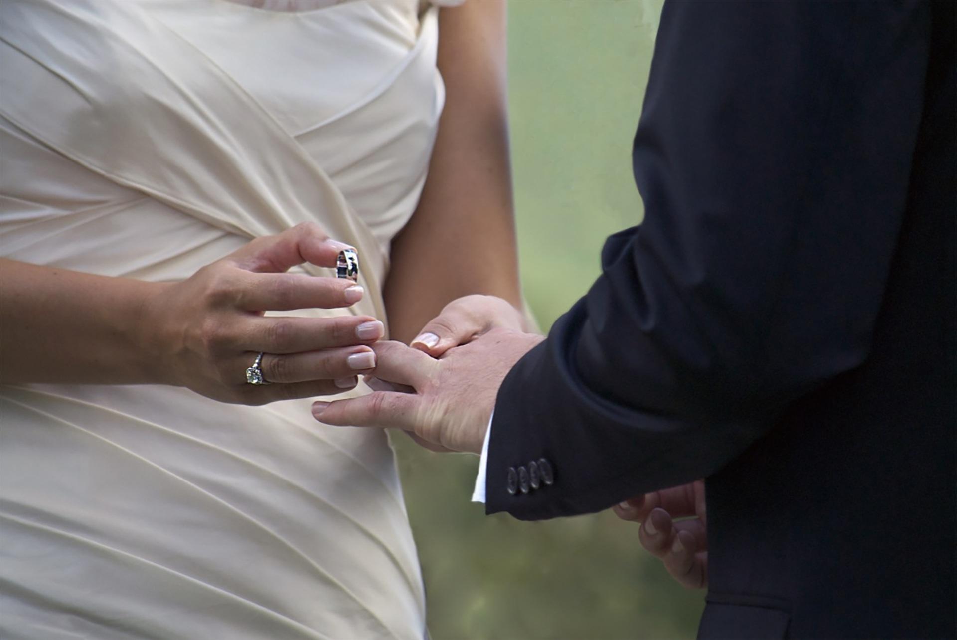 переехал картинки признание замуж с кольцом казани мужем