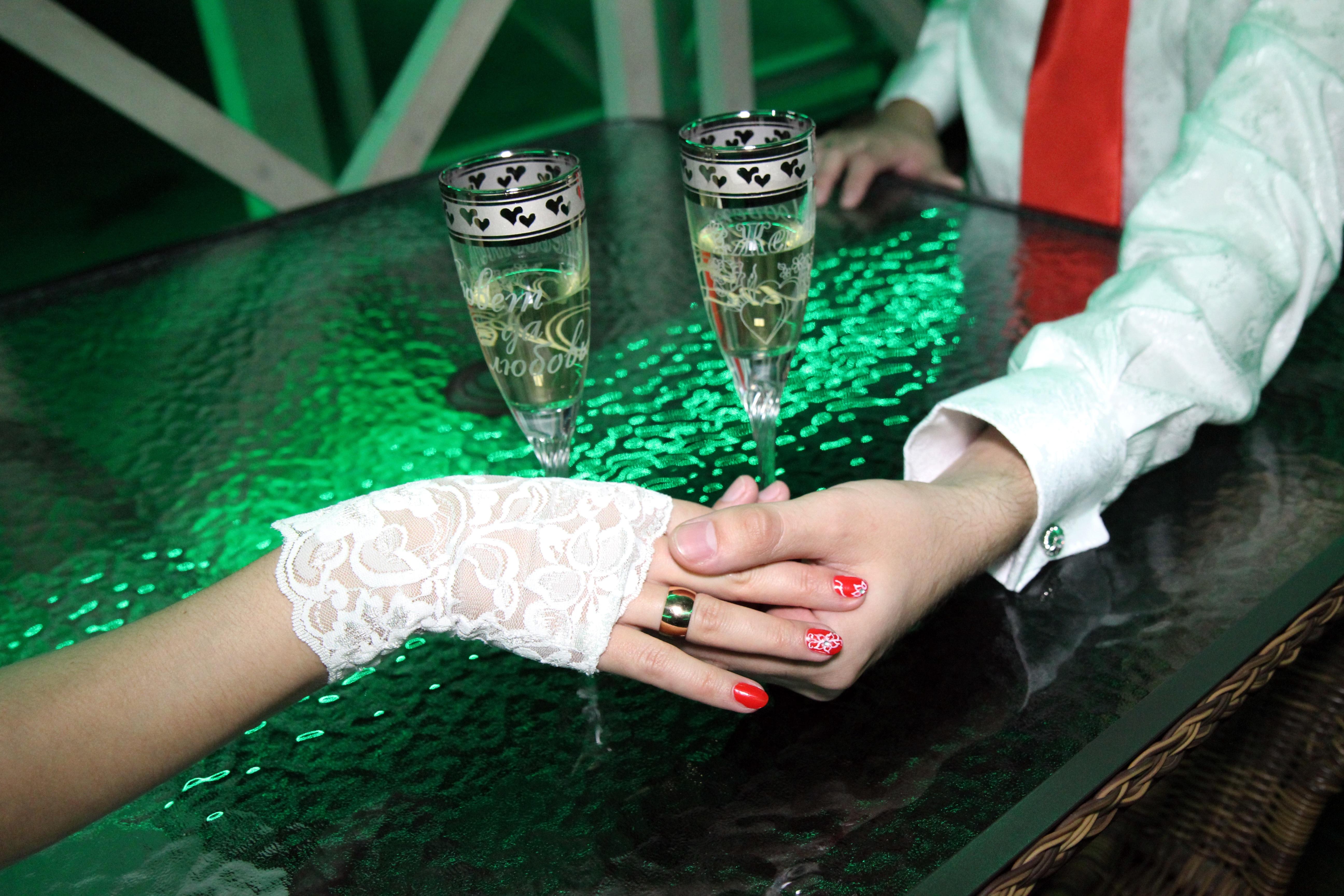 Fotos gratis : mano, naturaleza, anillo, verano, amor, dedo, verde ...