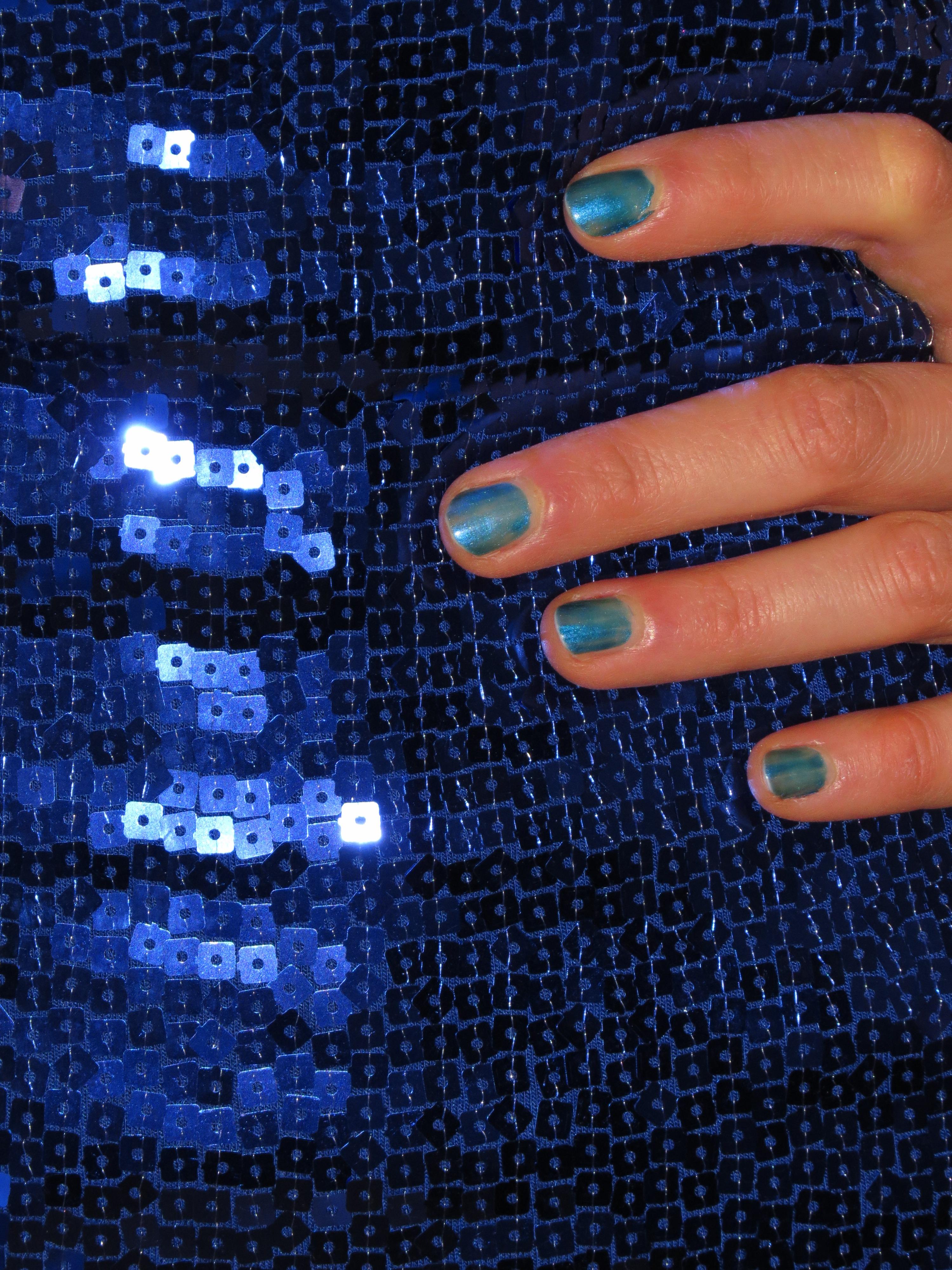 Fotos gratis : mano, patrón, dedo, color, Moda, azul, ropa, uña ...