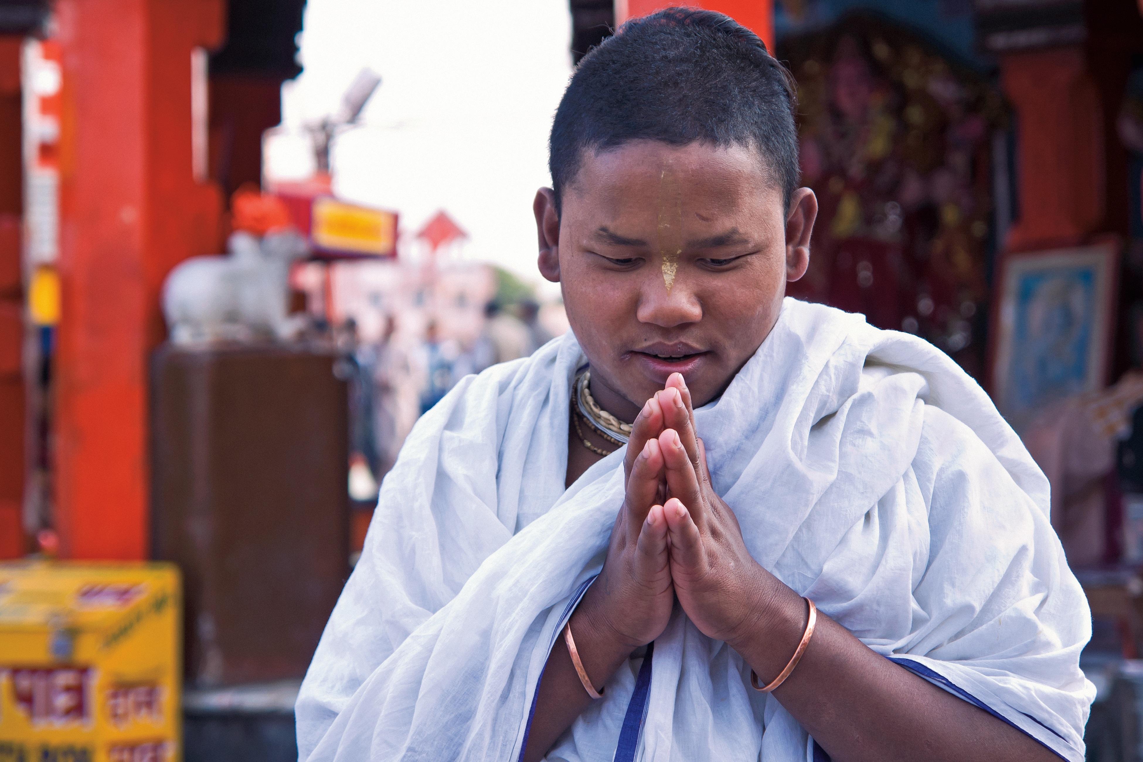 Images gratuites main la personne gar on enfant asiatique portrait paix moine religion - Personne qui repare les cheminees ...