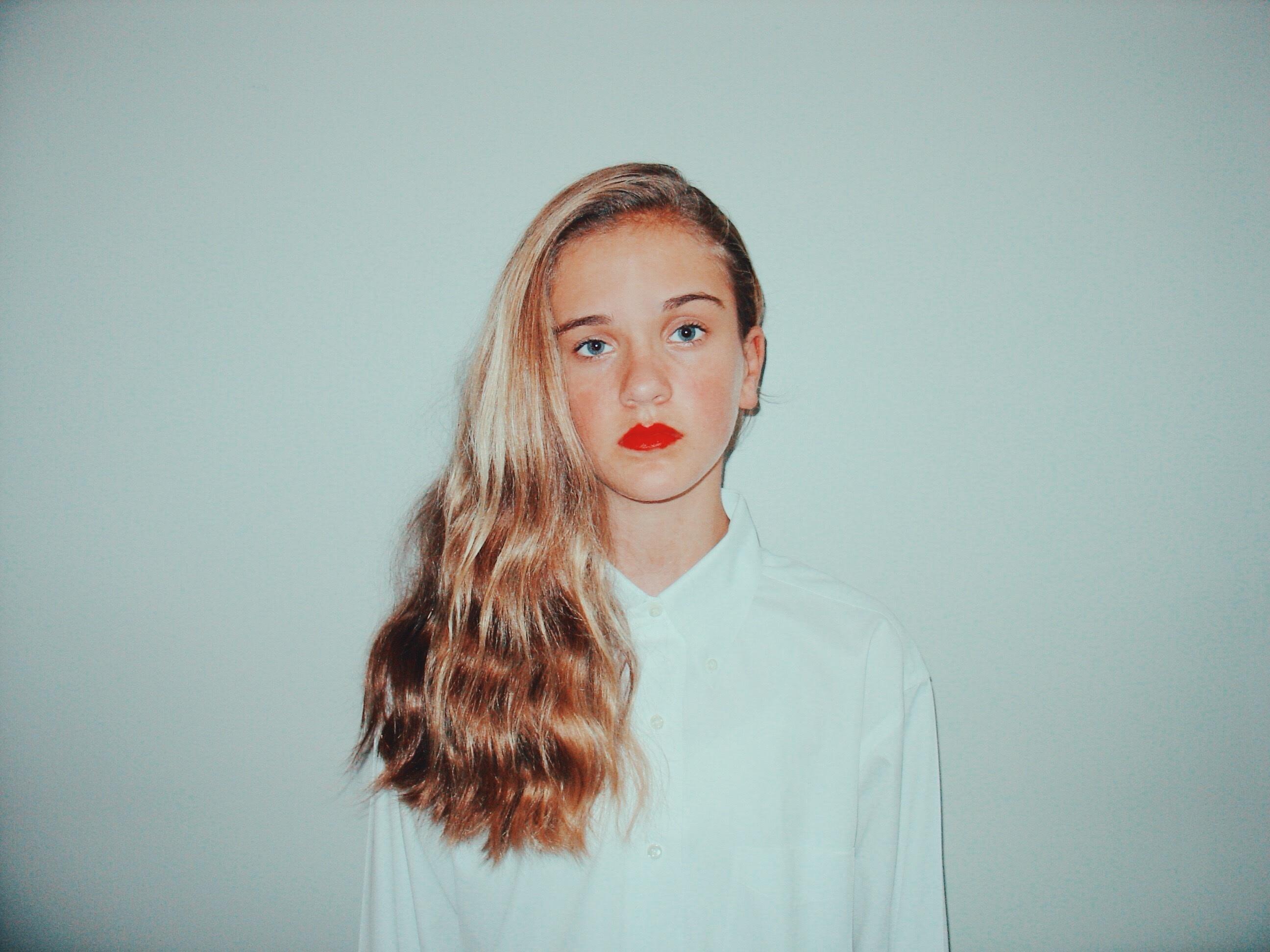 ručné človek dievča vlasy biely fotografovanie portrét Model jar červená  farba móda slecna výraz tváre účes 1a0ae7c4b68