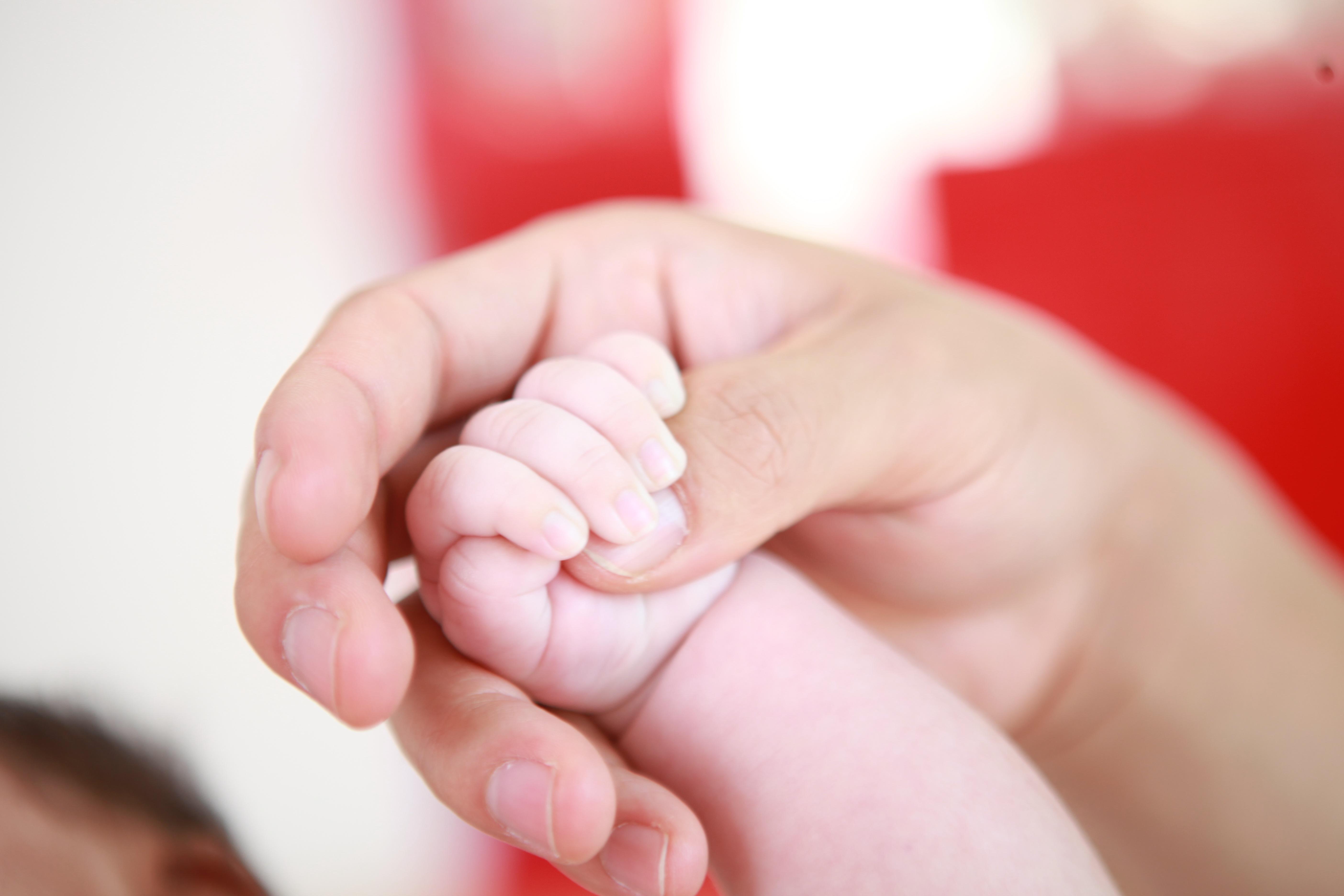 Bebek Tırnağı Nasıl Kesilir