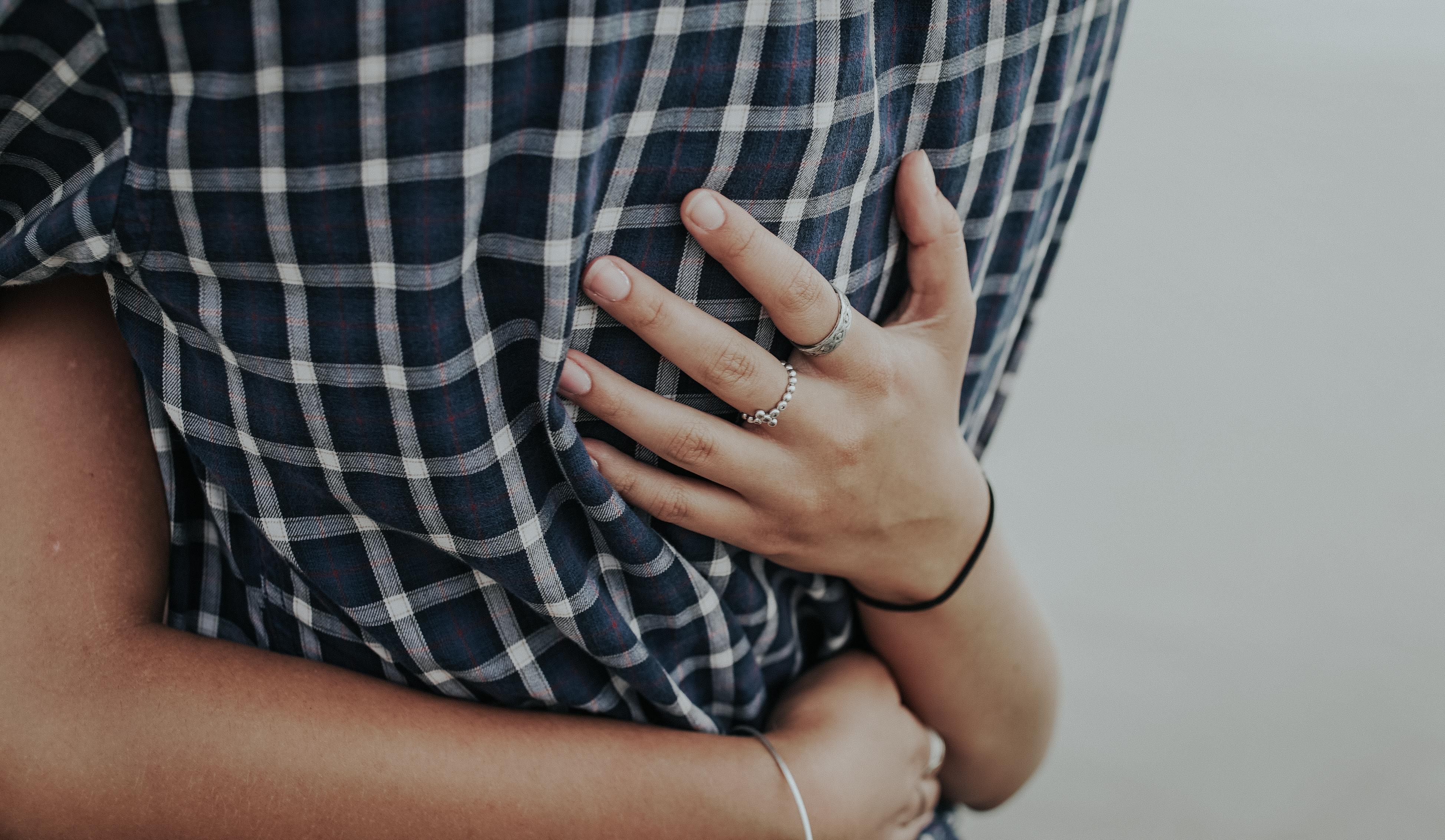 что картинки два пальца обнимаются группы