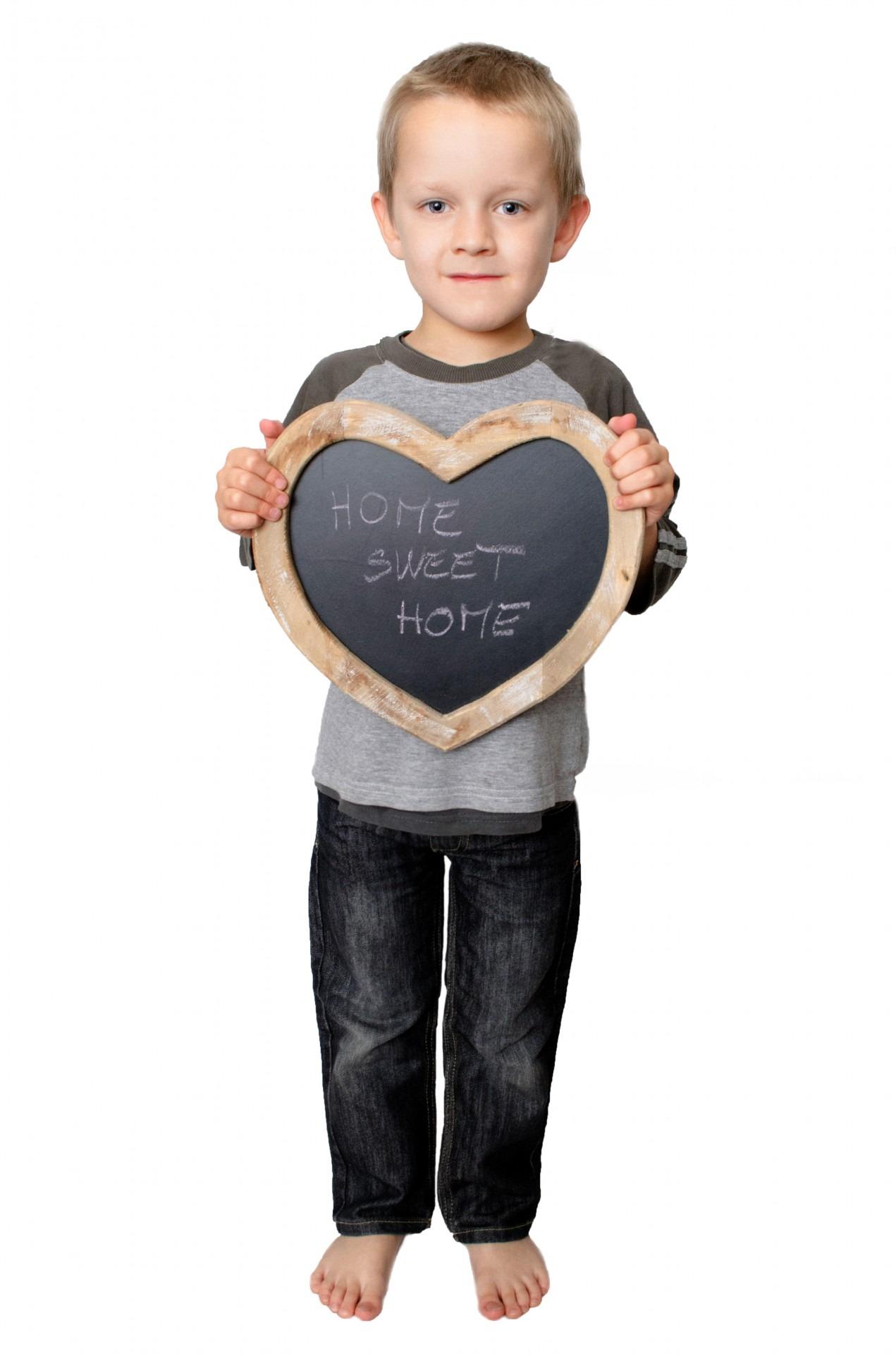 Fotos gratis : mano, persona, gente, niño, casa, corazón, dedo ...
