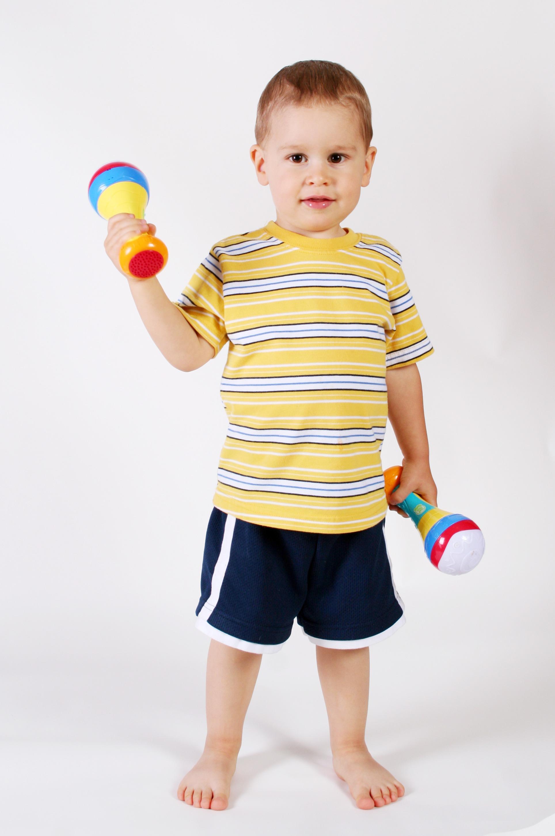 Fotos gratis mano persona jugar chico masculino - Foto nino pequeno ...