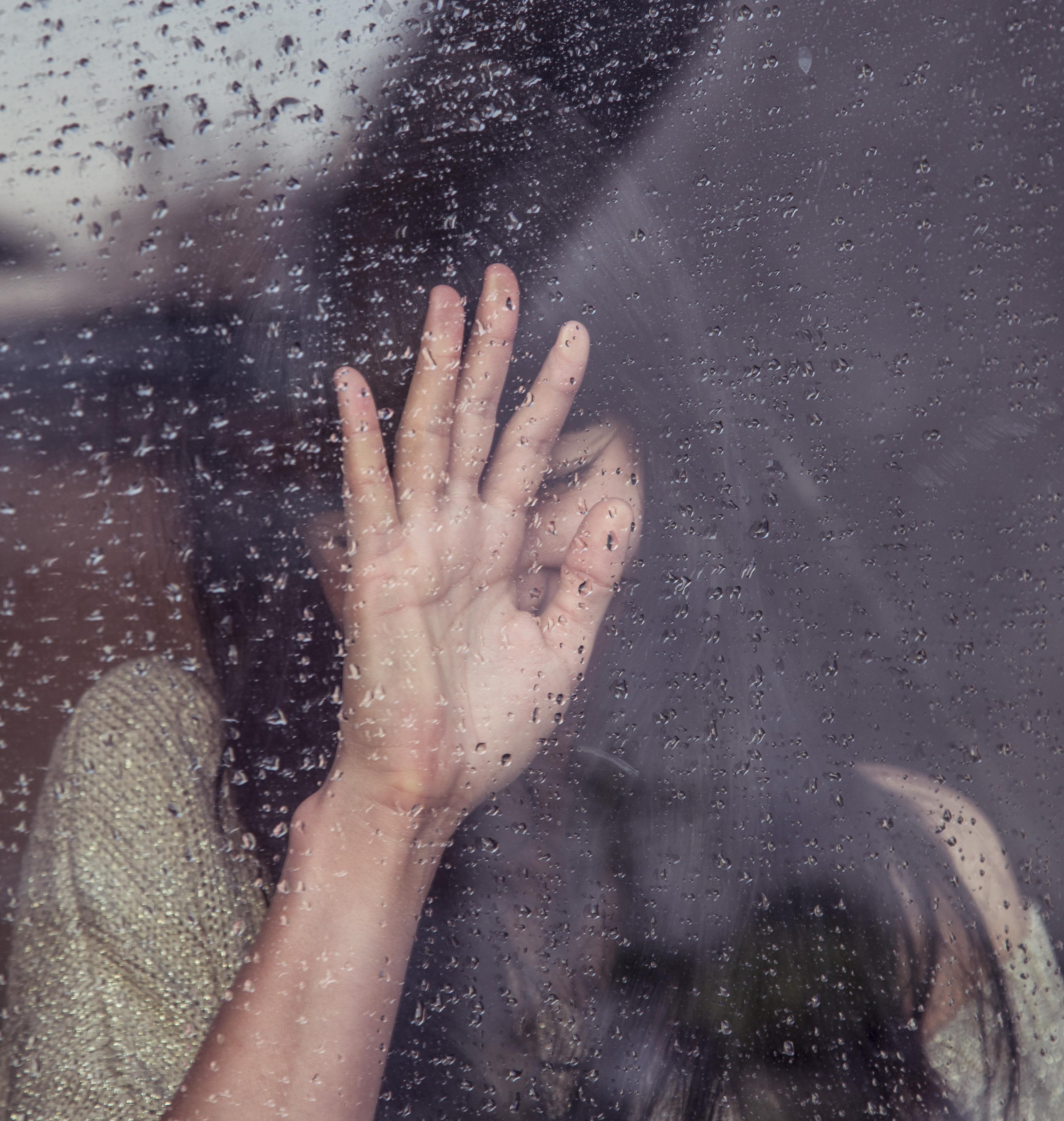 Gambar Tangan Orang Wanita Hujan Jendela Jari Gambar Emosi