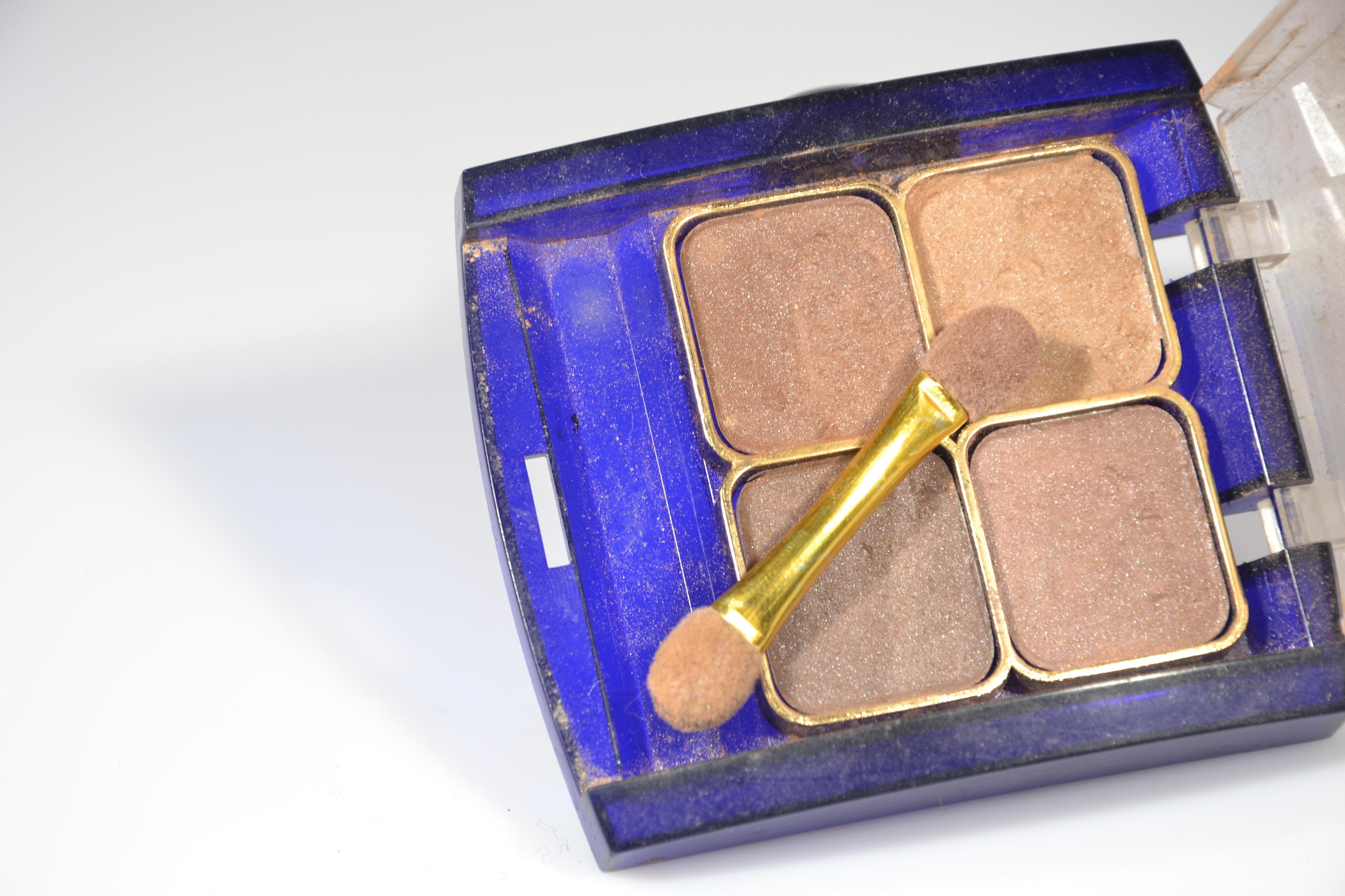 mano prpura sombra pintar azul maquillaje cuerpo humano ojo violeta organo productos cosmticos pintura del ojo