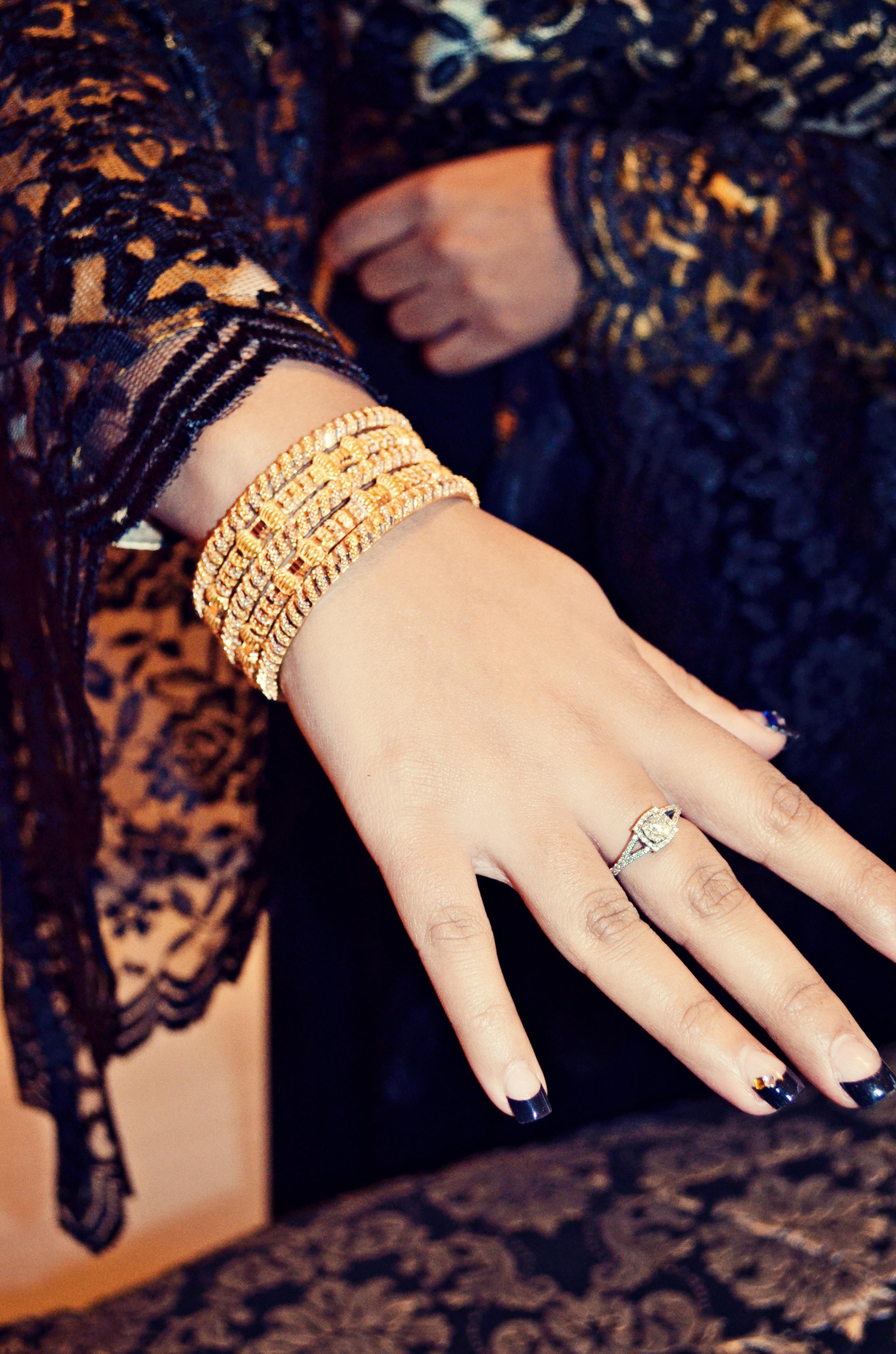 Gambar Tangan Cincin Pola Jari Lengan Pengantin Perhiasan