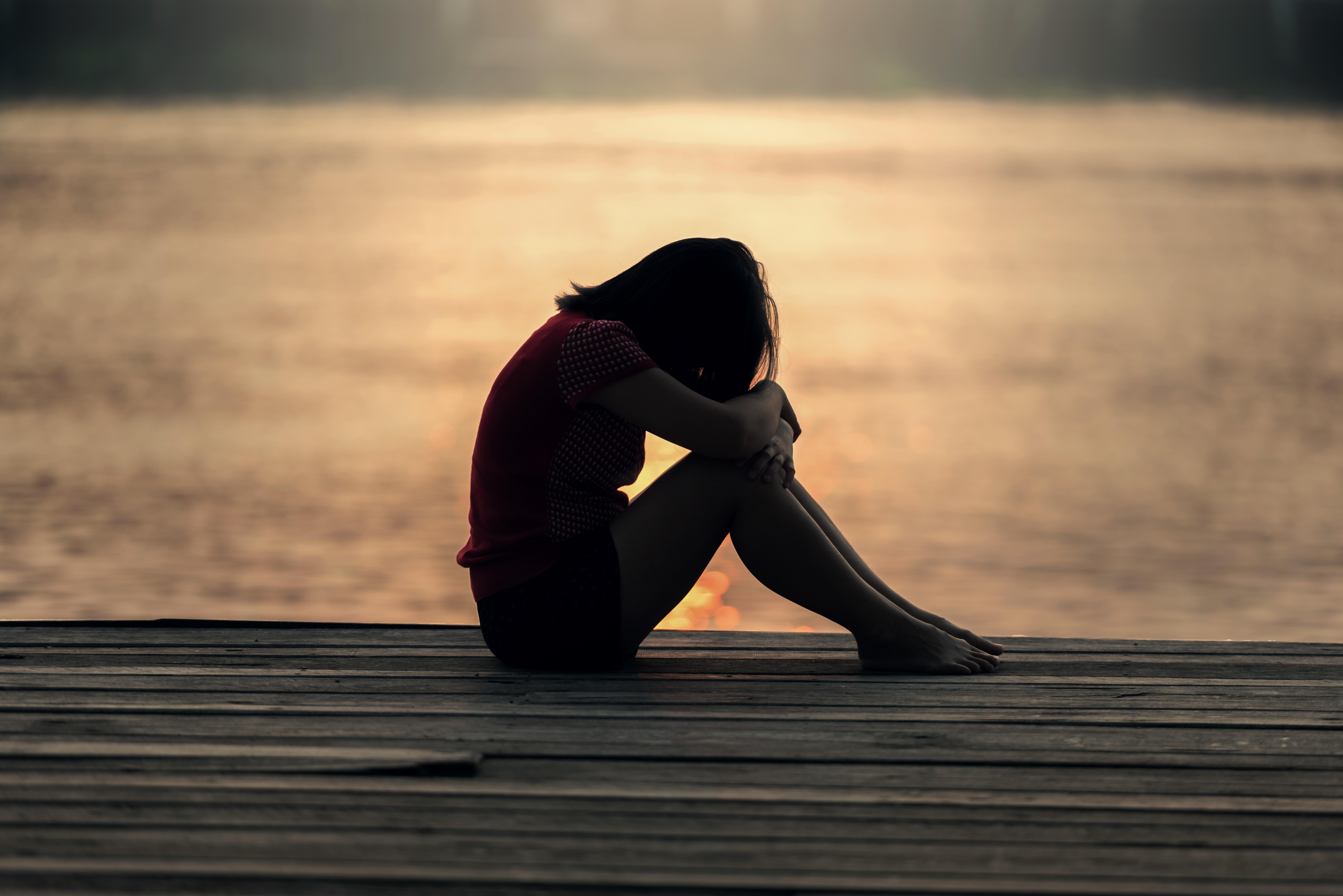 Картинки девушек грусть