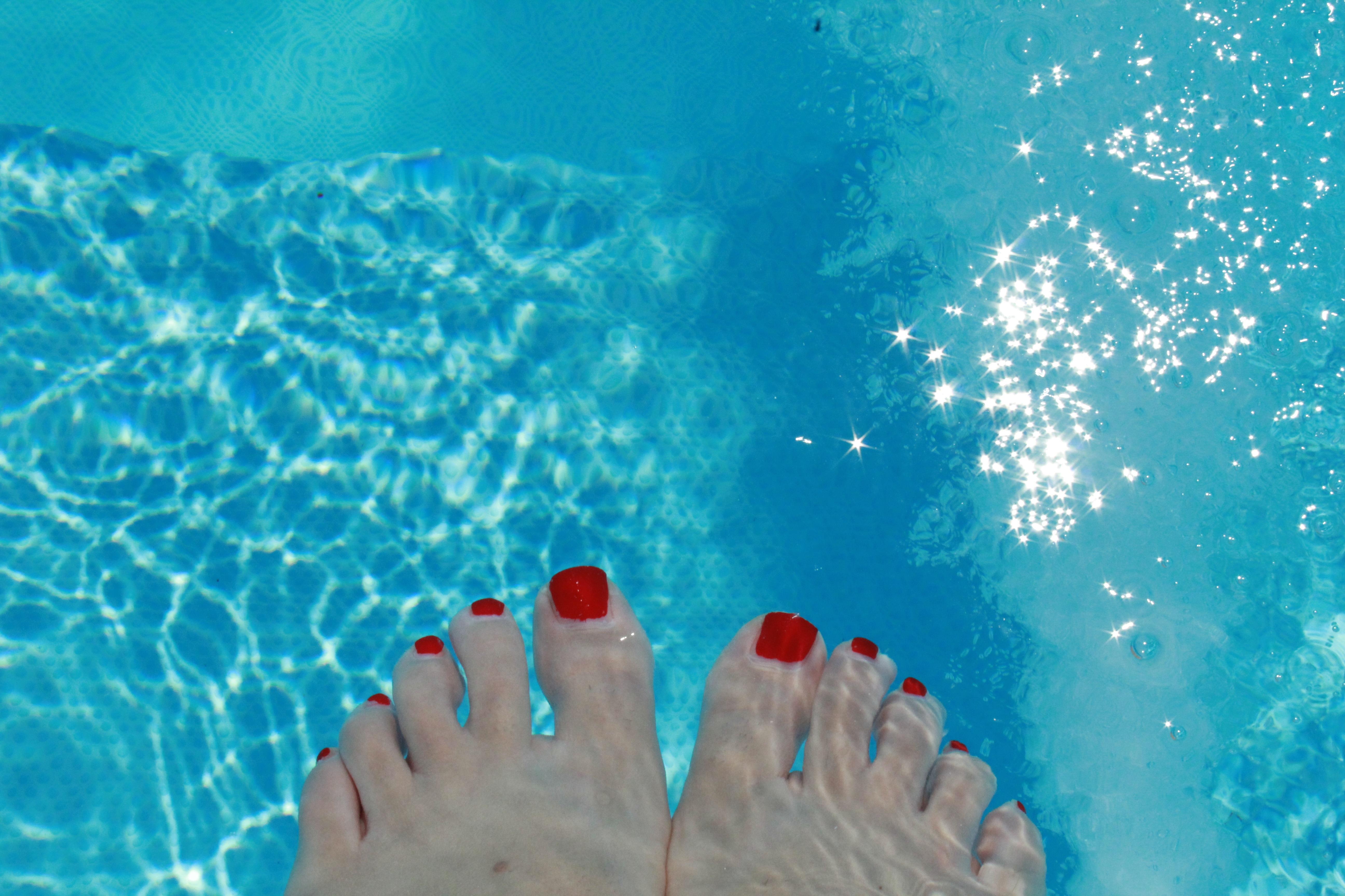 Картинки ног девушек в воде
