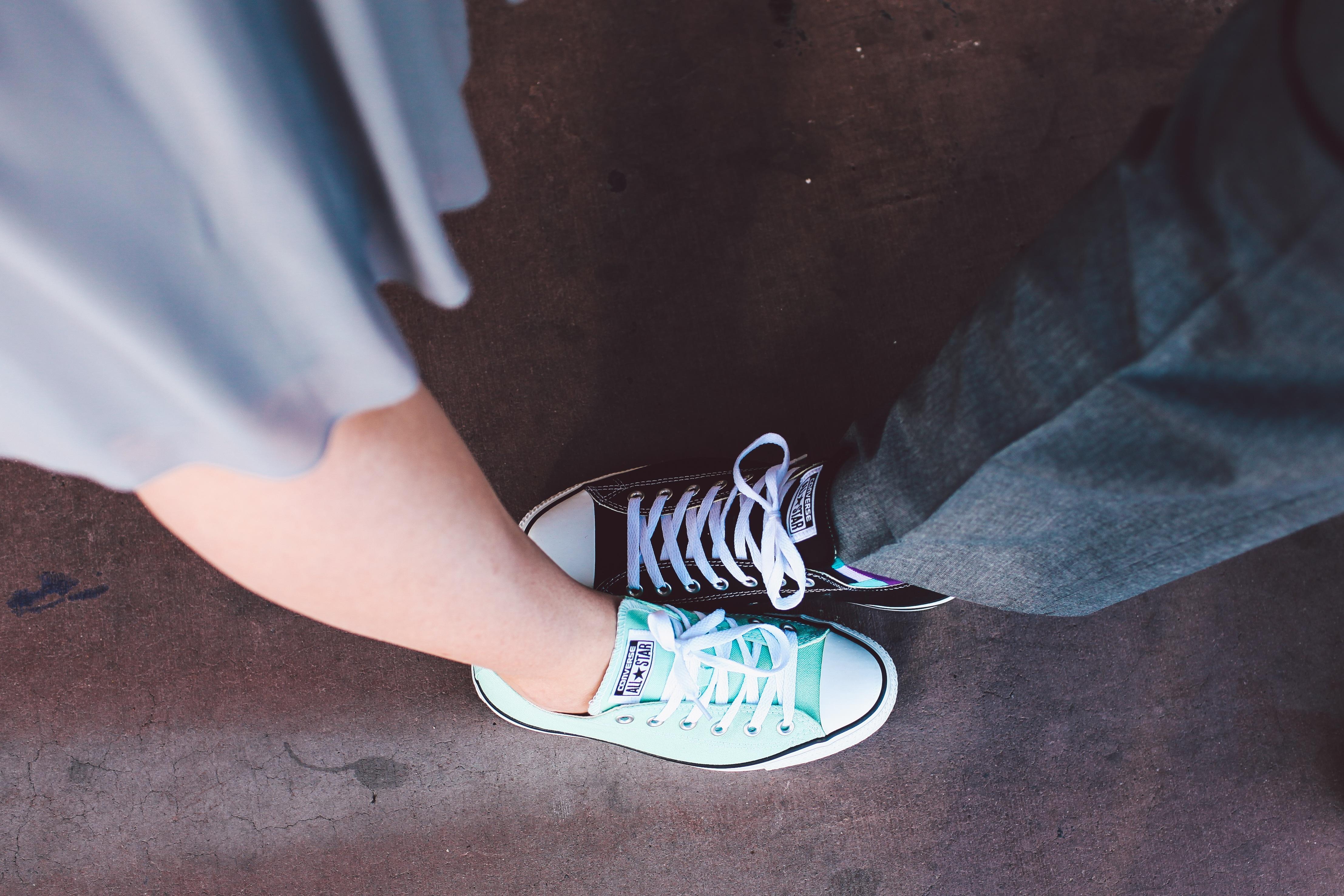 7938aade1633 hand shoe girl white feet leg spring green color blue black arm all star  human body