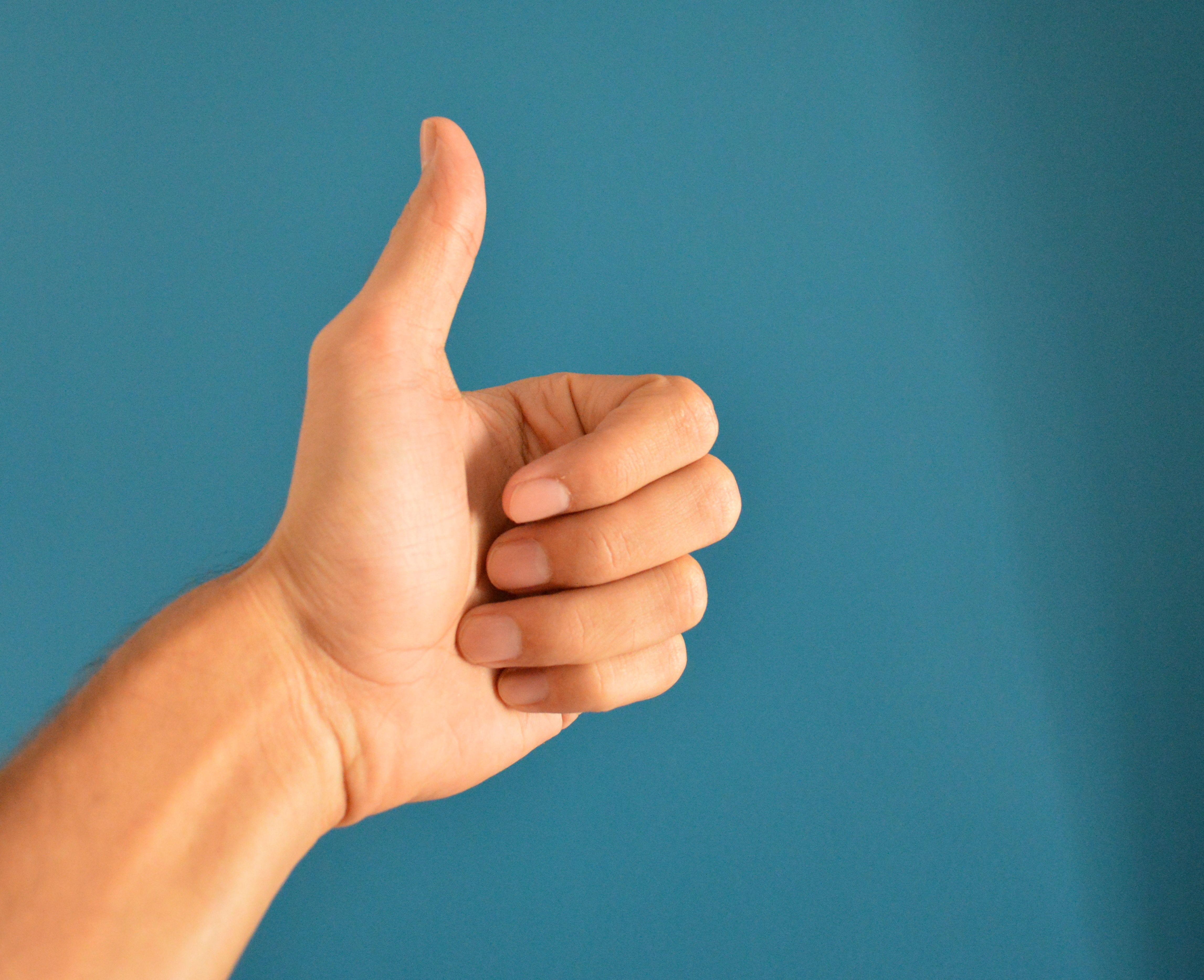 Картинка палец к верху