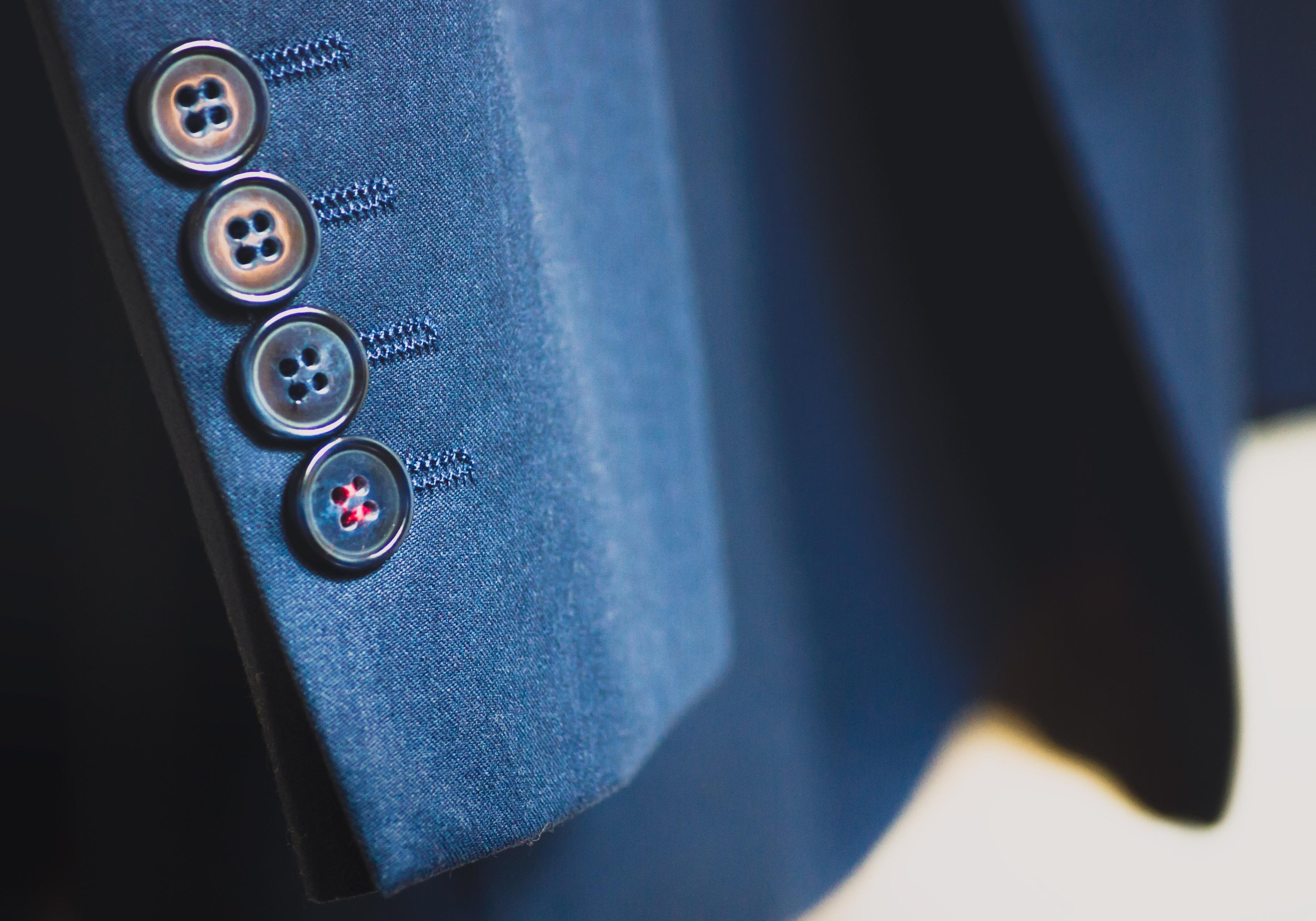 34573f4ad185 hånd dragt farve mode blå sort jakke tæt på gentleman øje knapper blazer