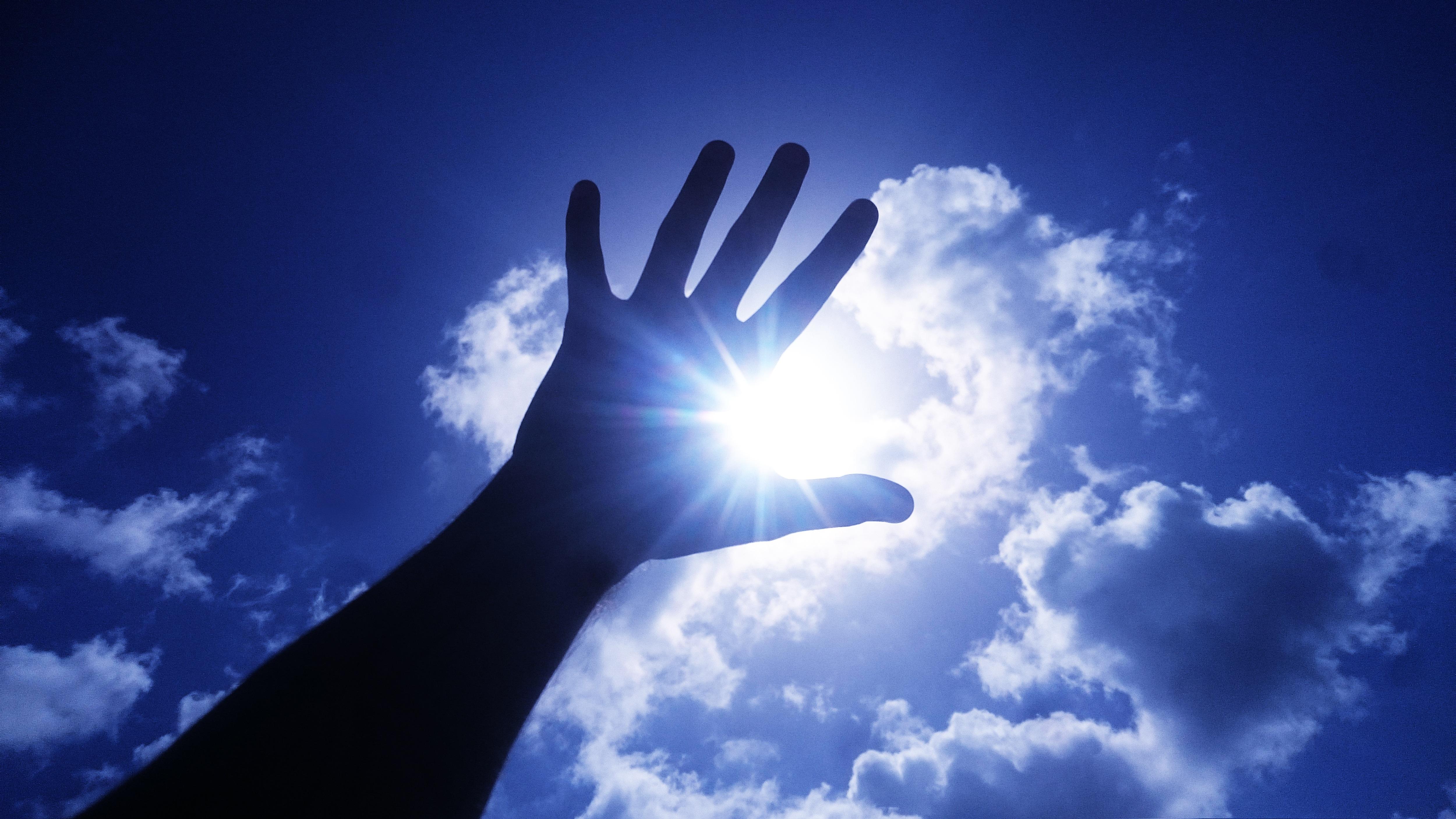 один красивые картинки рук на фоне неба наши схемы