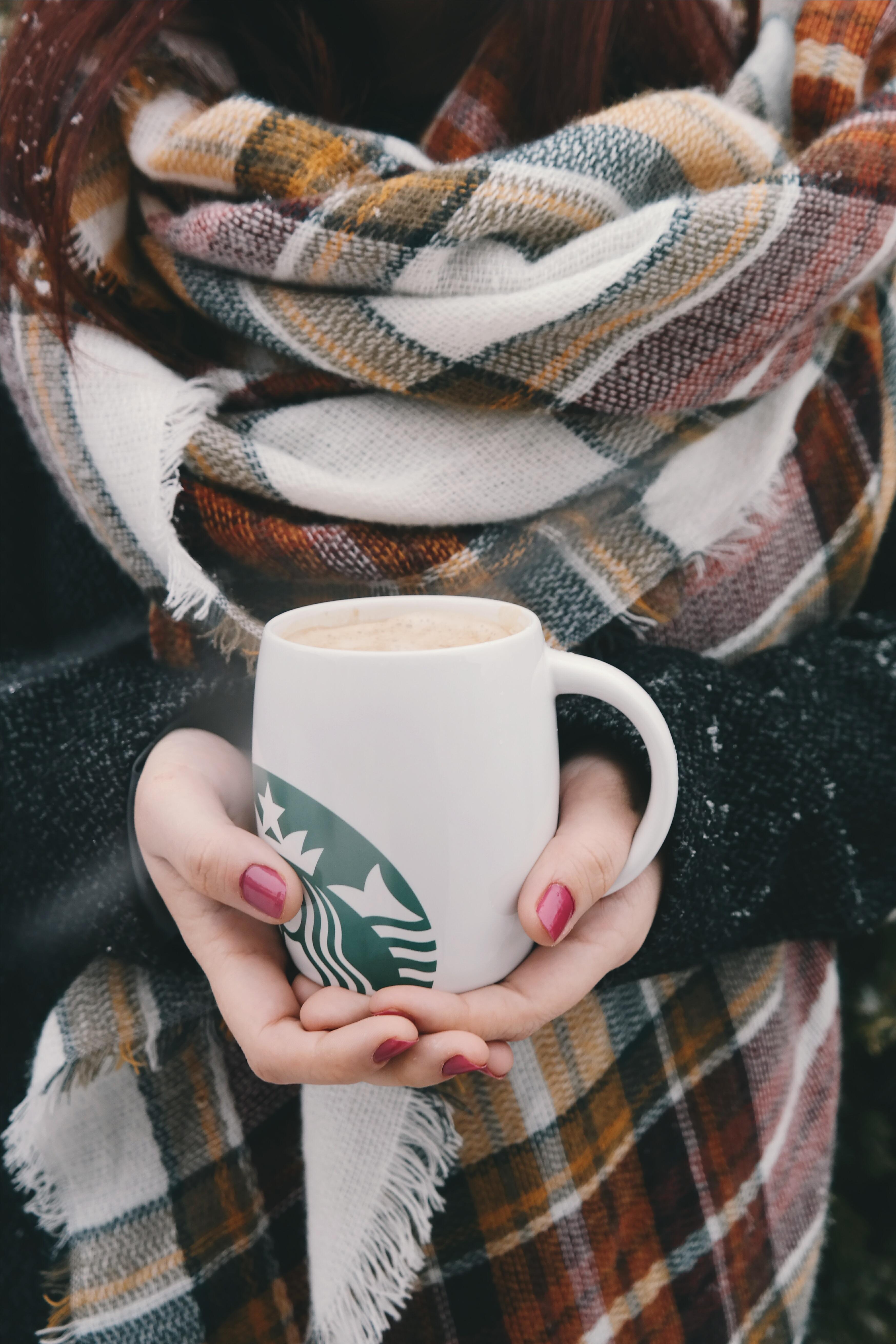 Fotos gratis : mano, invierno, café, patrón, primavera, ropa, tartán ...
