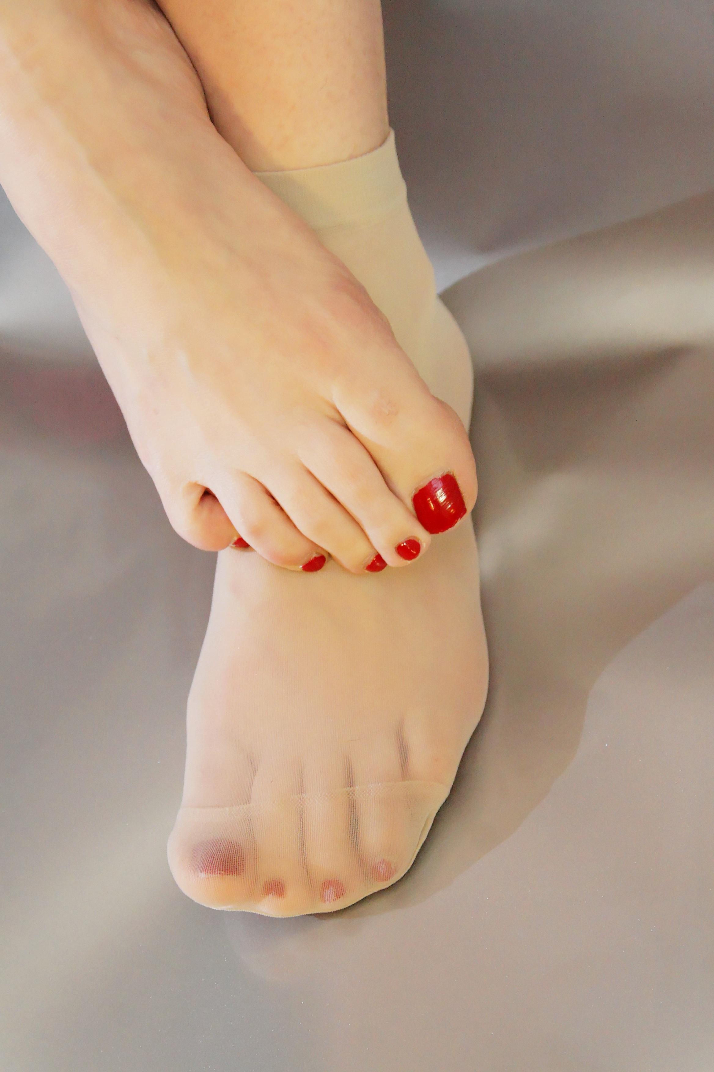 Пальчики женских ног фото