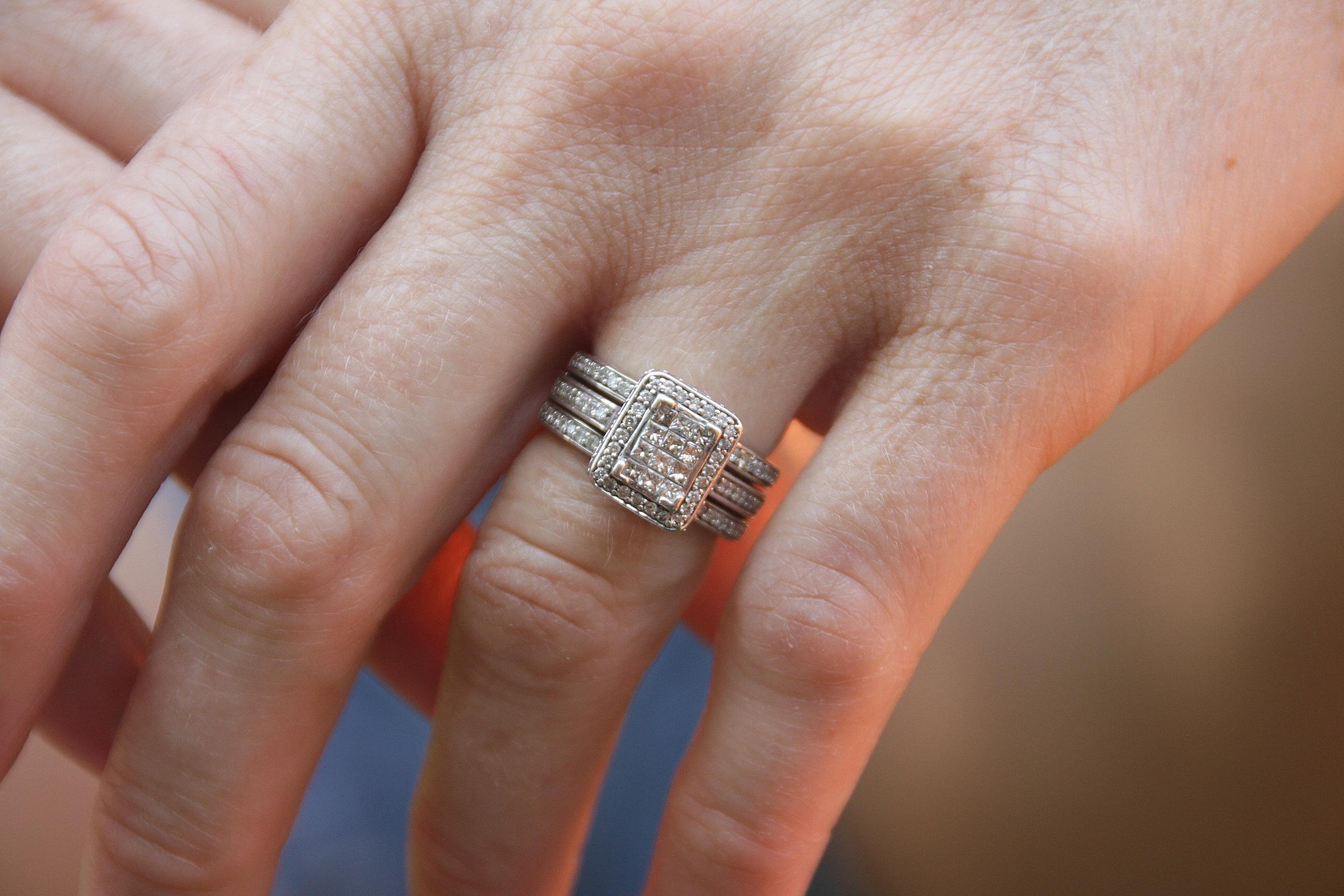 Extrêmement Images Gratuites : main, femme, bague, B: et, amour, doigt  DA63