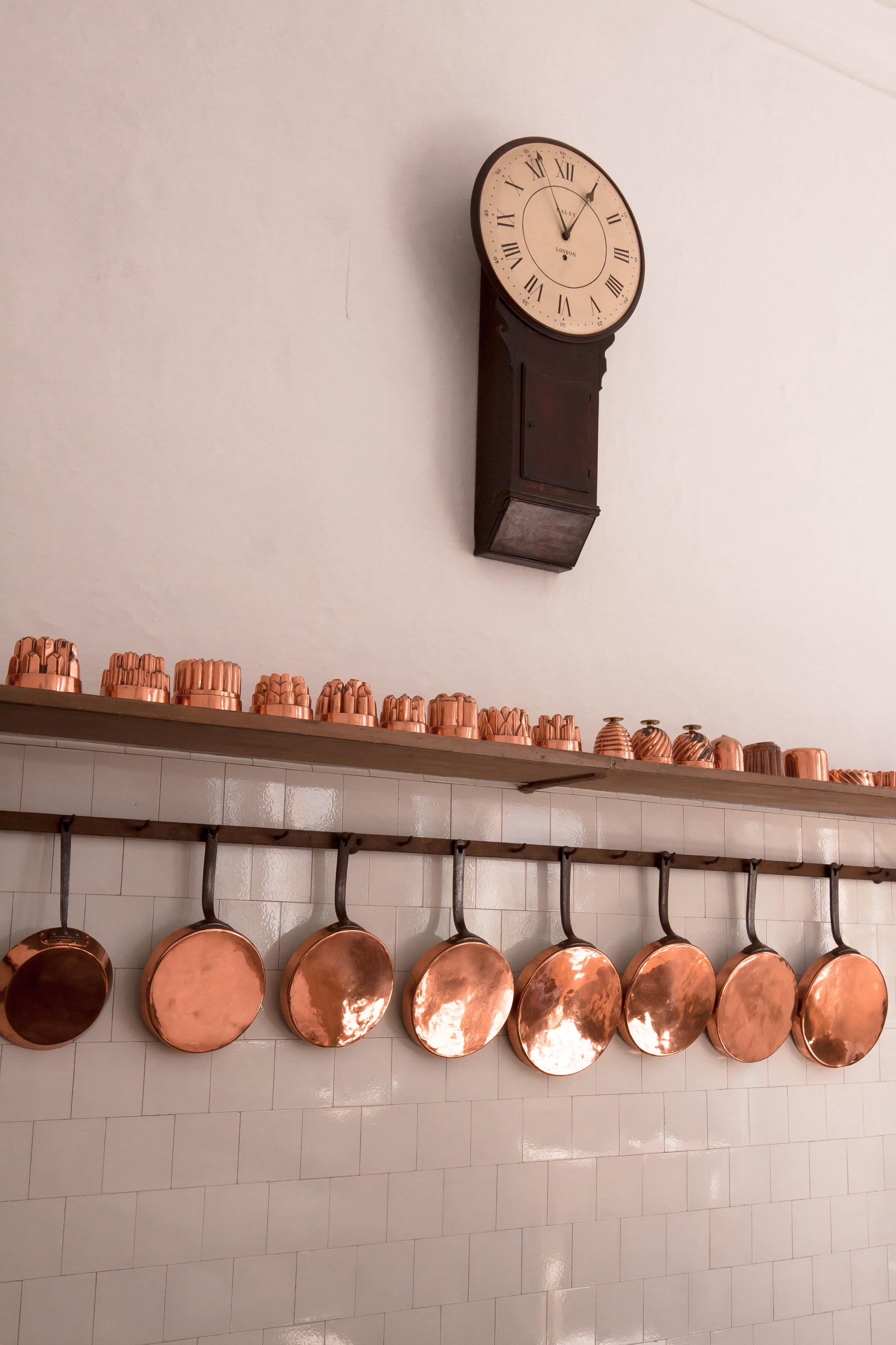 Sidste nye Gratis billeder : hånd, træ, hvid, antik, ur, nummer, gammel, væg YQ-17
