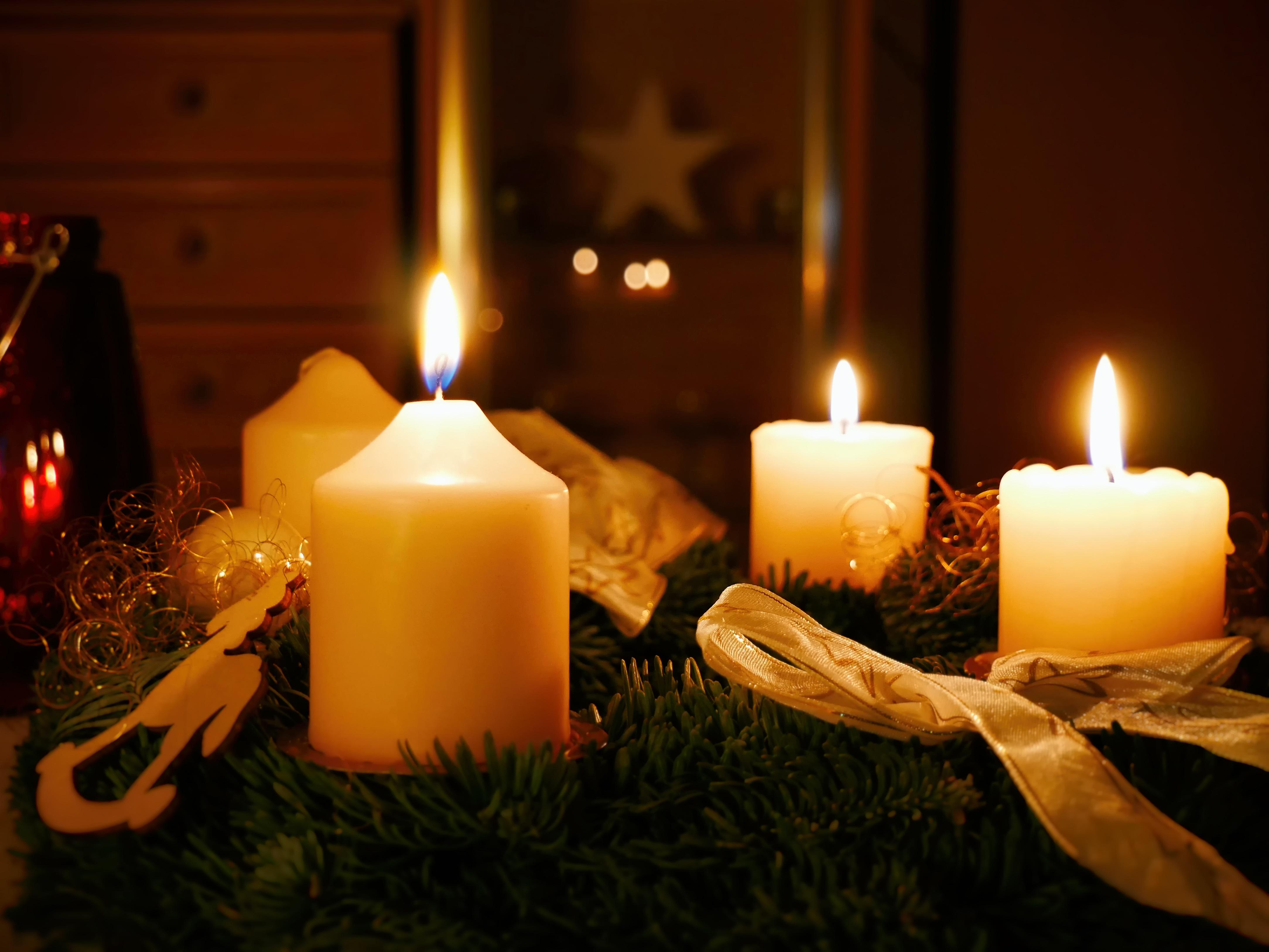 Adventskranz Bilder Kostenlos kostenlose foto urlaub kerze weihnachten beleuchtung dekor