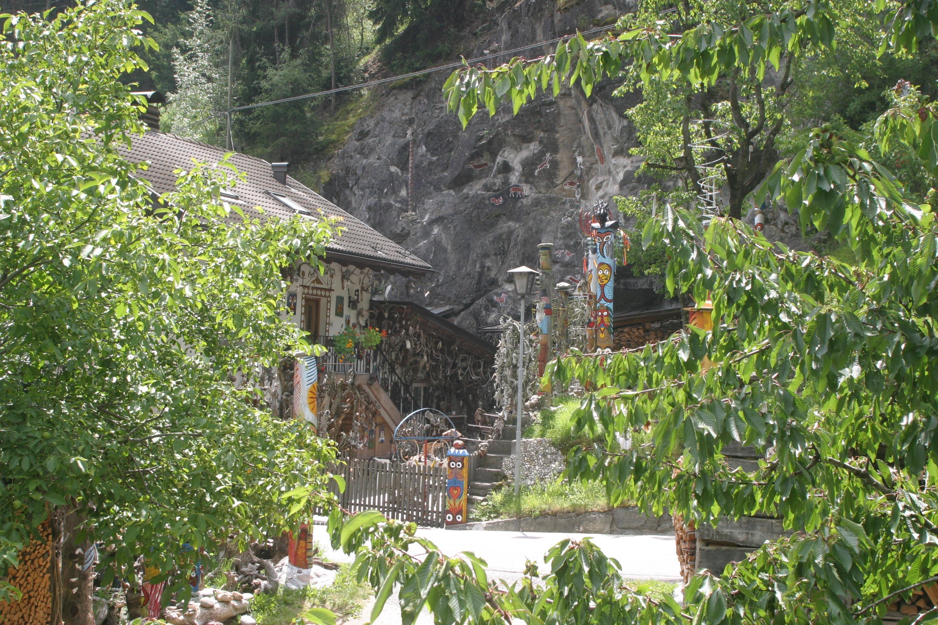 Home Jungle Cottage Italy Garden Trees Rainforest Bushes Yard Hermit South  Tyrol Val Venosta