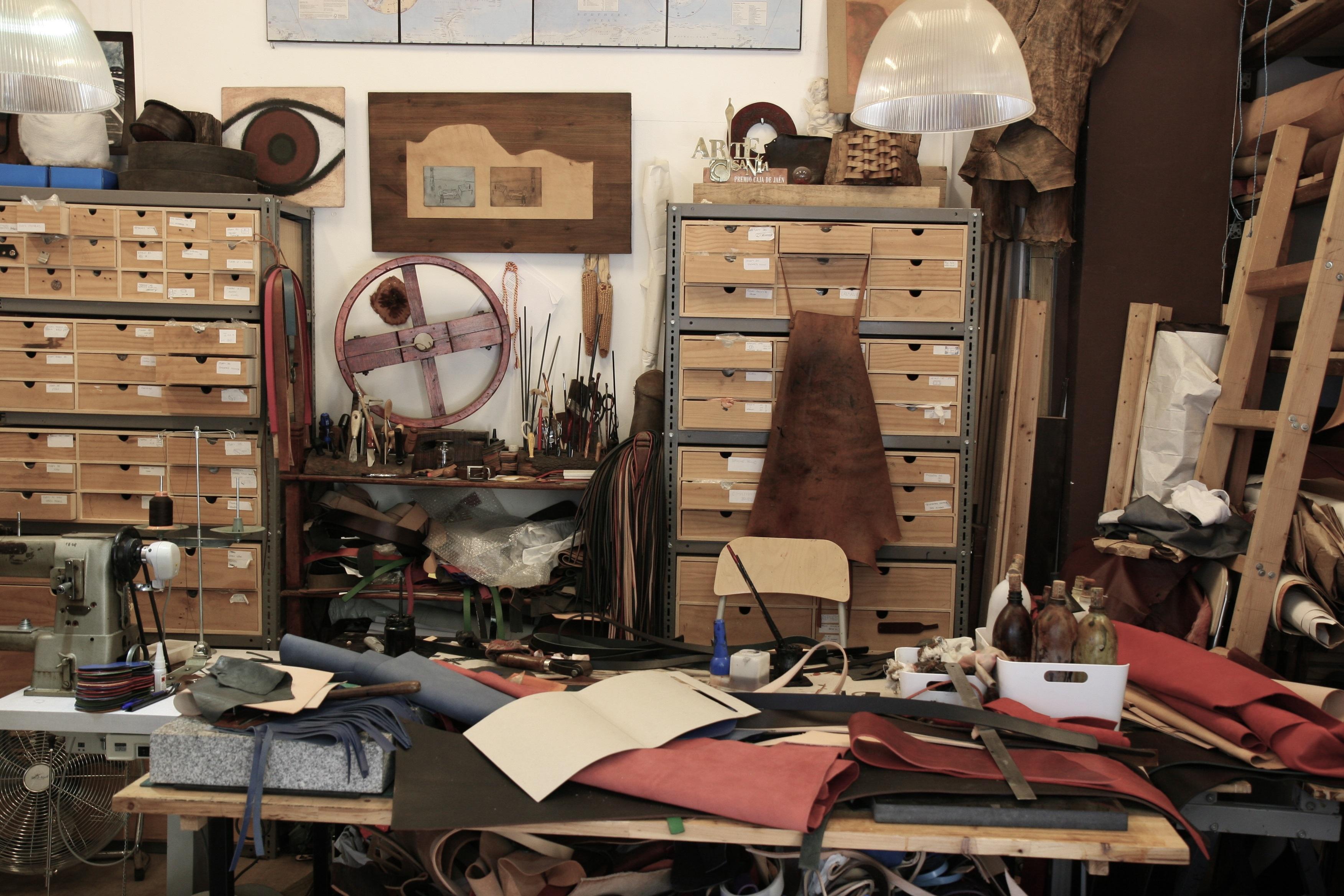 Fotos gratis casa sala arte mueble habitaci n for Diseno de muebles para herramientas