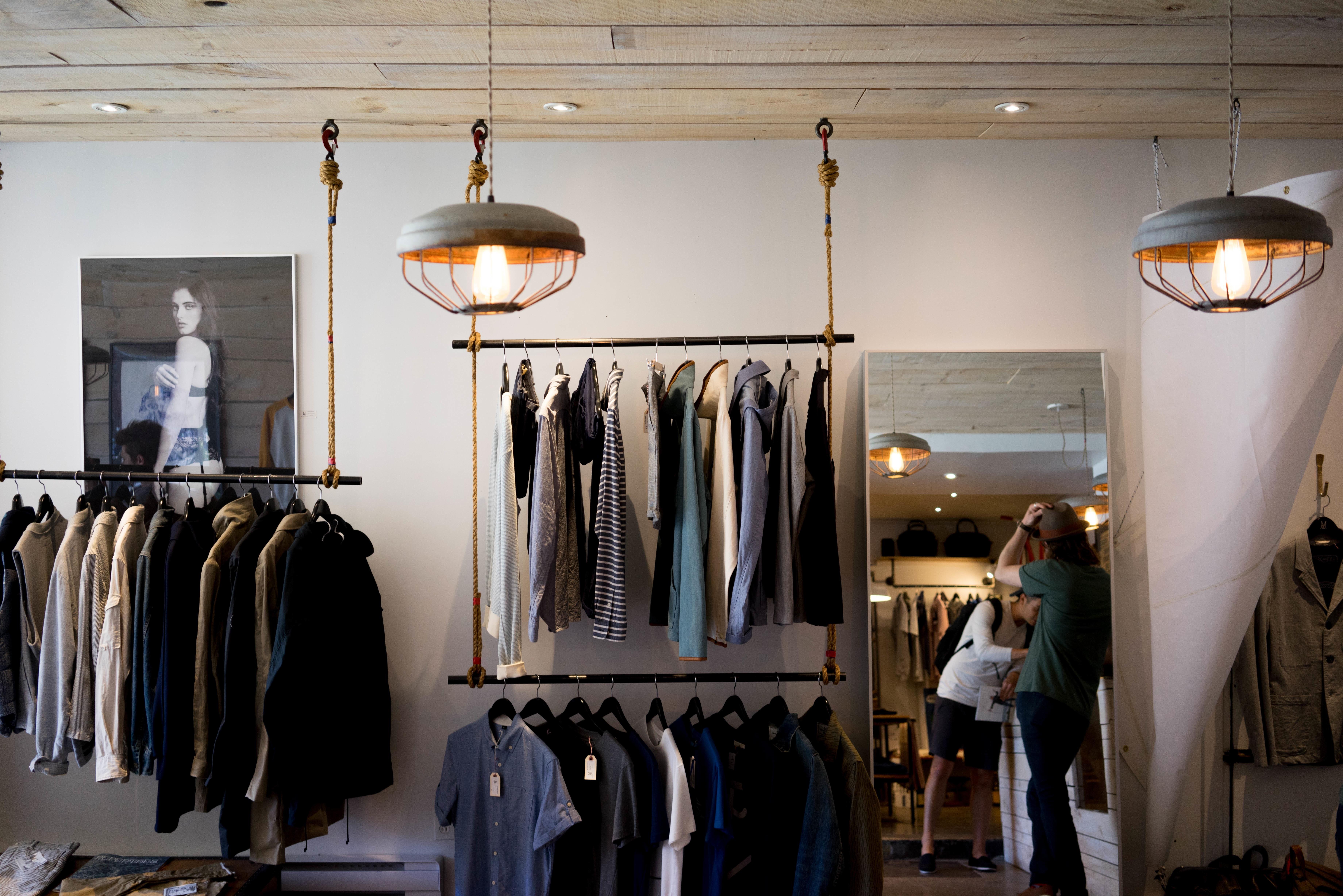 Home Shop Business Shopping Room Lighting Garment Interior Design Clothing  Store Boutique Design Mirror Wardrobe Sale