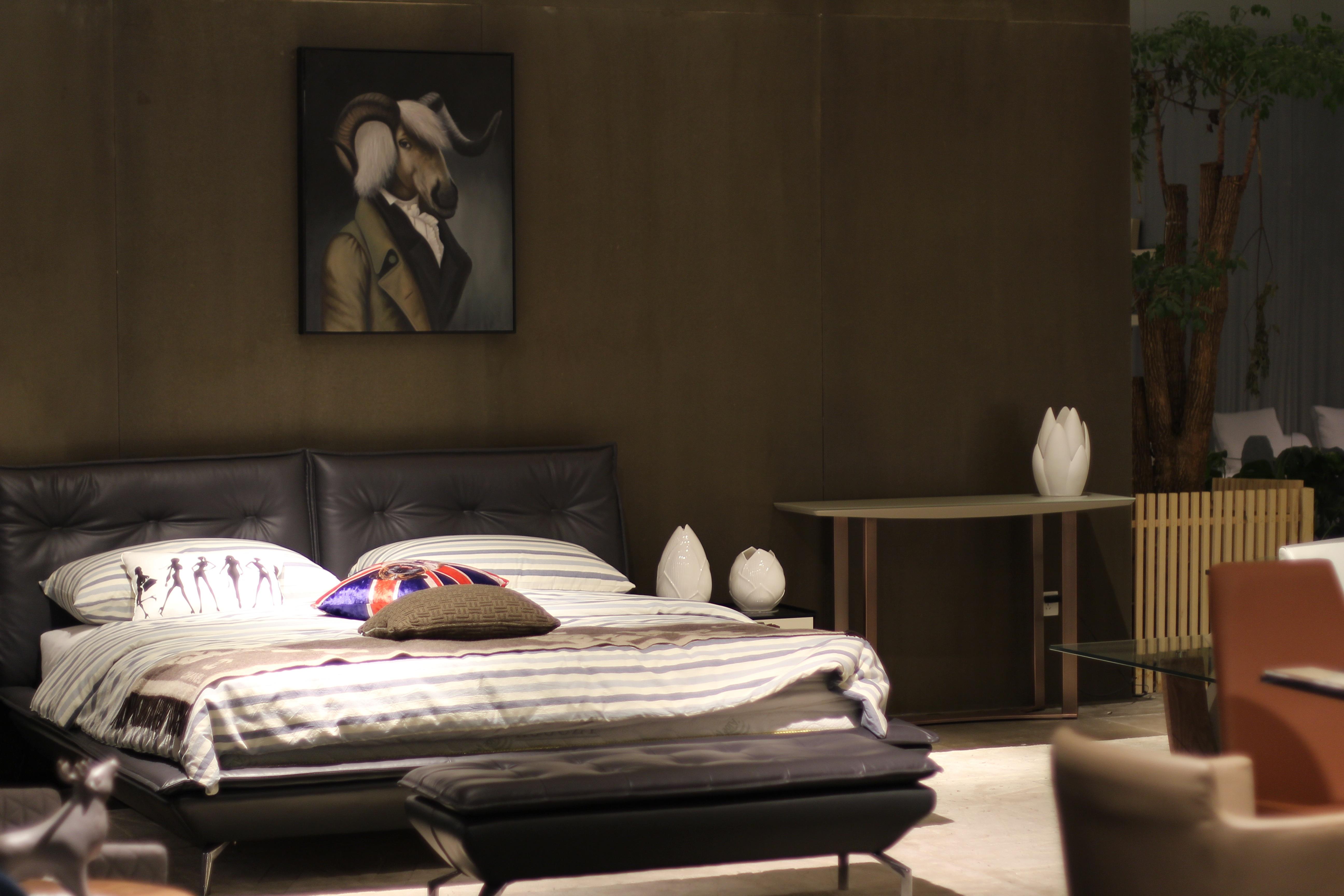 Bed In Woonkamer : Zitbank bed en chaise longue in één