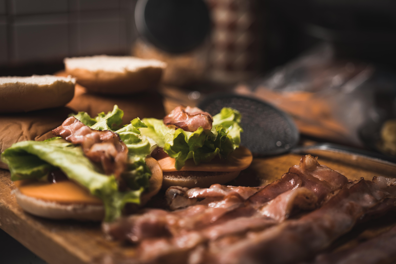 images gratuites fait maison burger aliments plat repas brunch moi cuisine. Black Bedroom Furniture Sets. Home Design Ideas