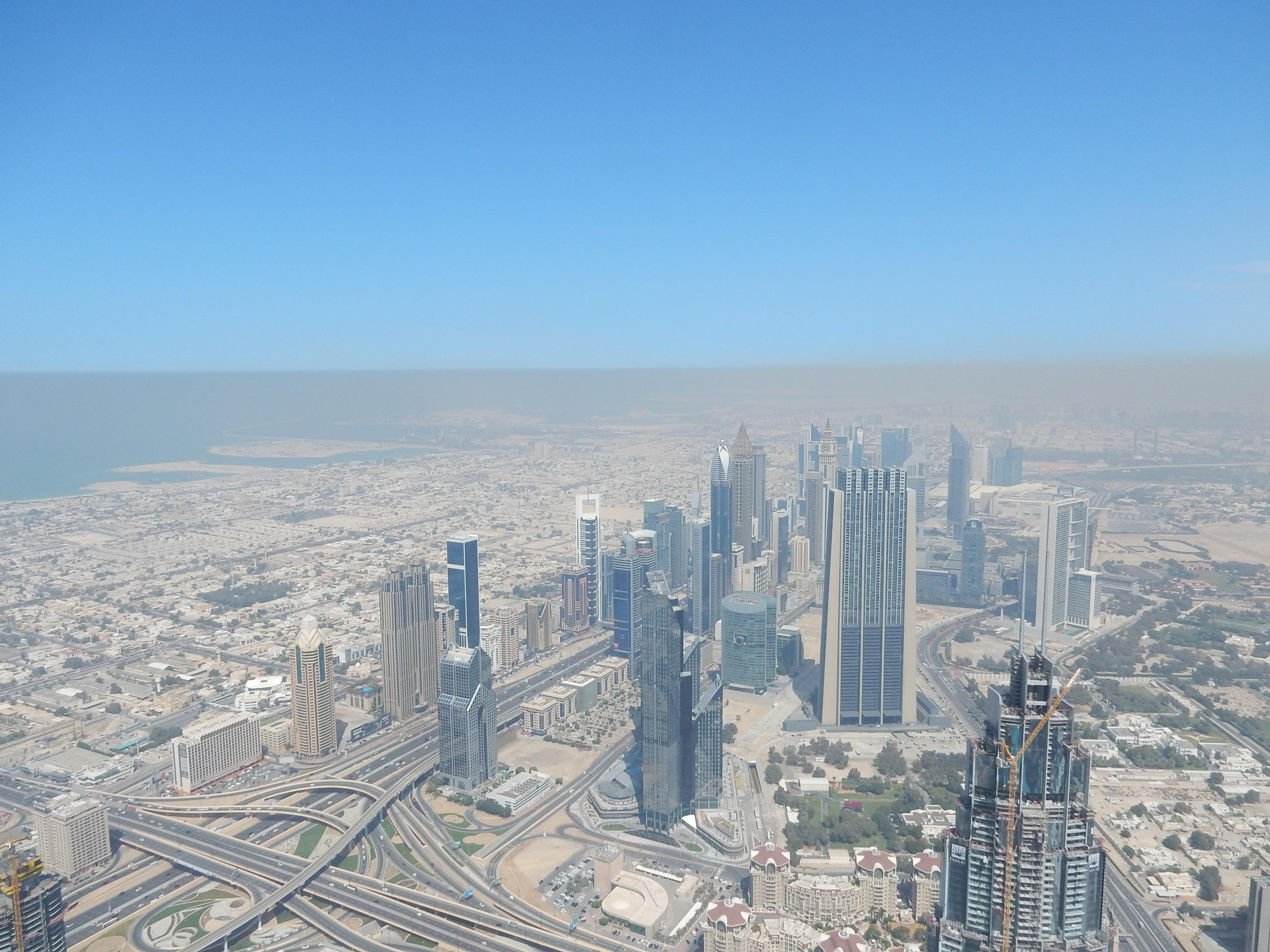 fotos gratis horizonte rascacielos paisaje urbano panorama centro de la ciudad torre dubai punto de referencia bloque de pisos
