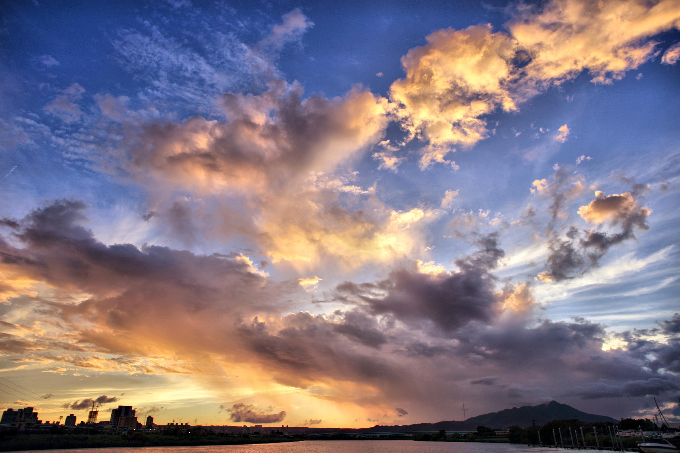 фото красивое облачное небо современном мире