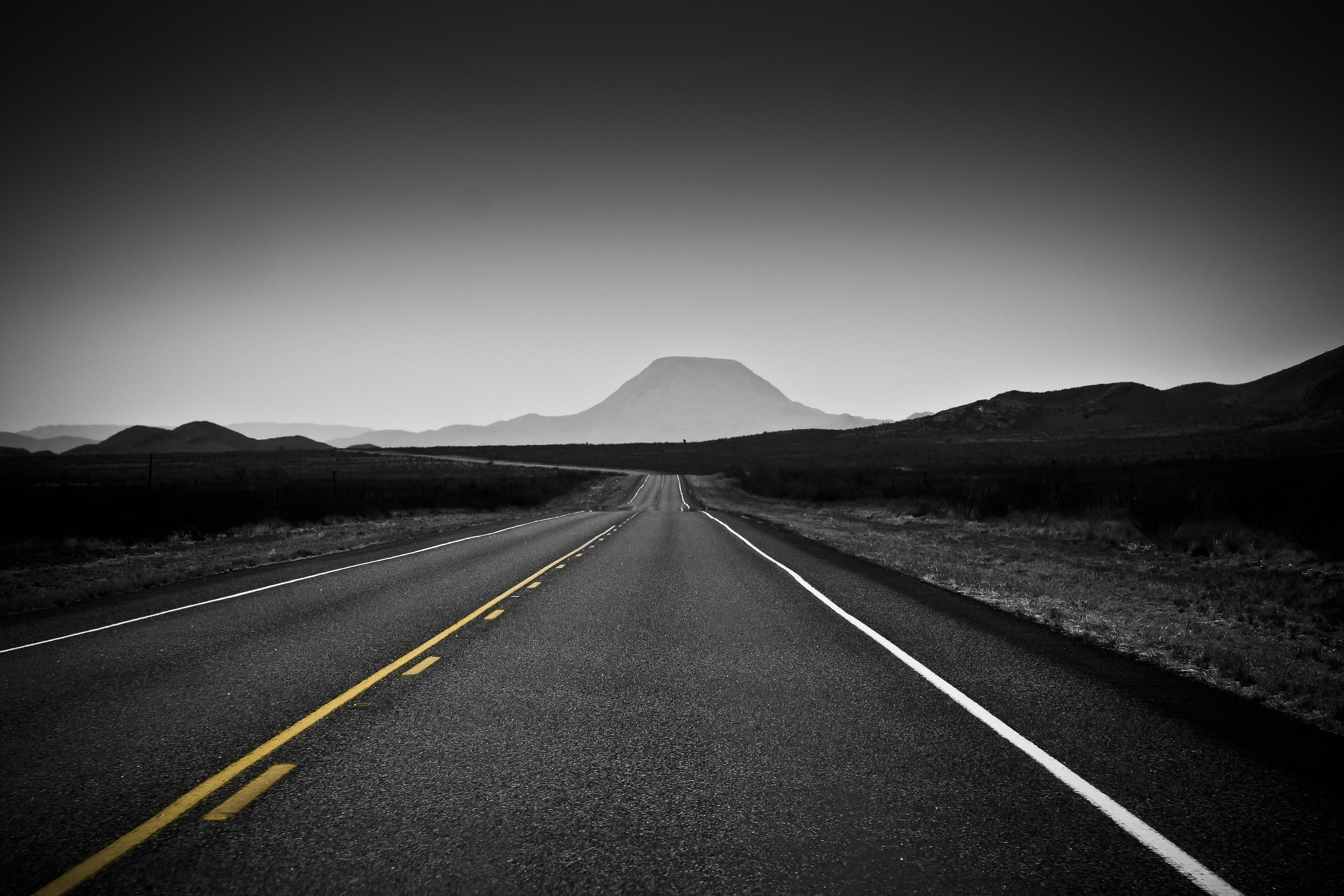 джеймс черно белые картинки дороги бал
