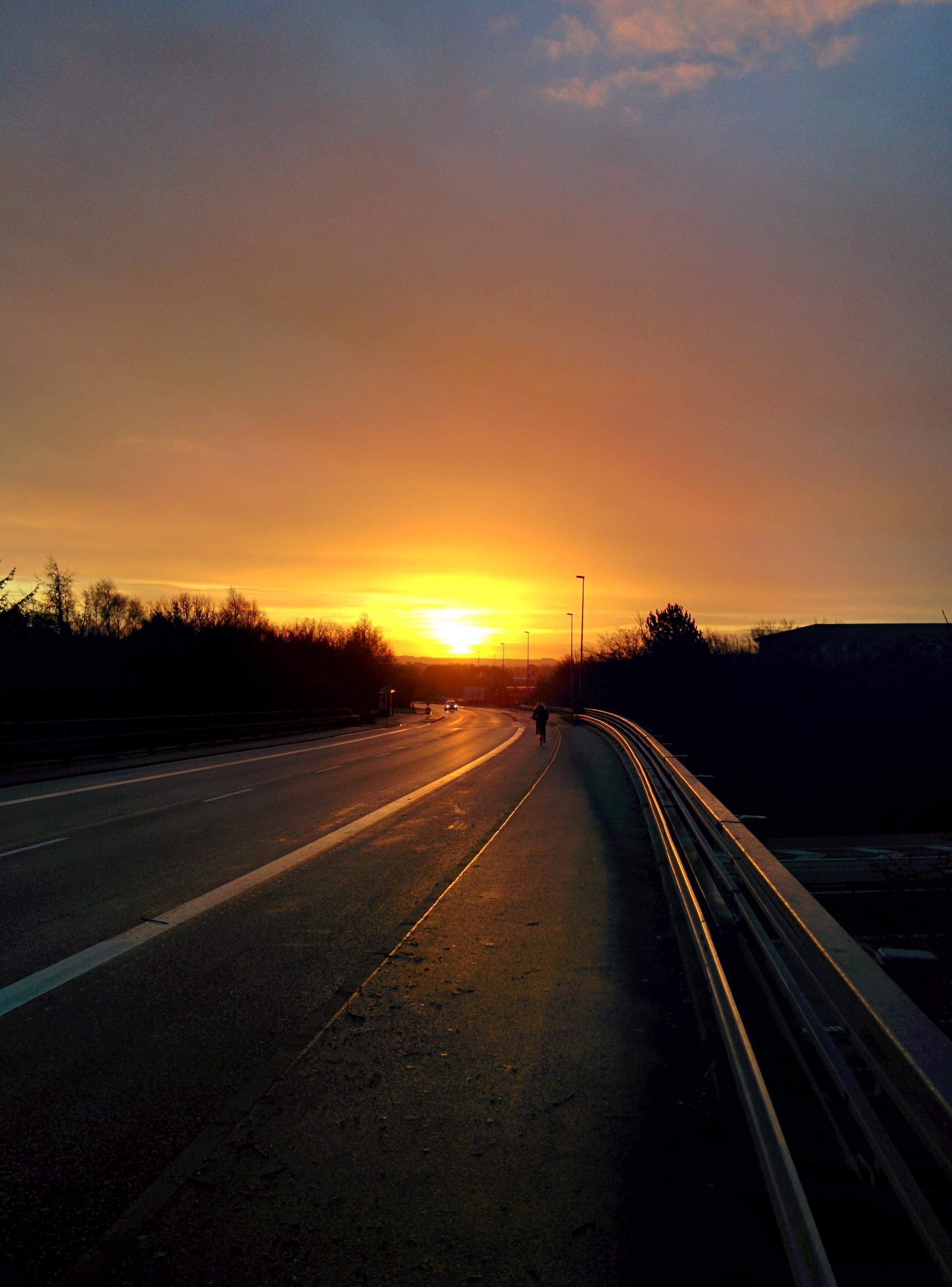 нравятся фото закат на дороге тот